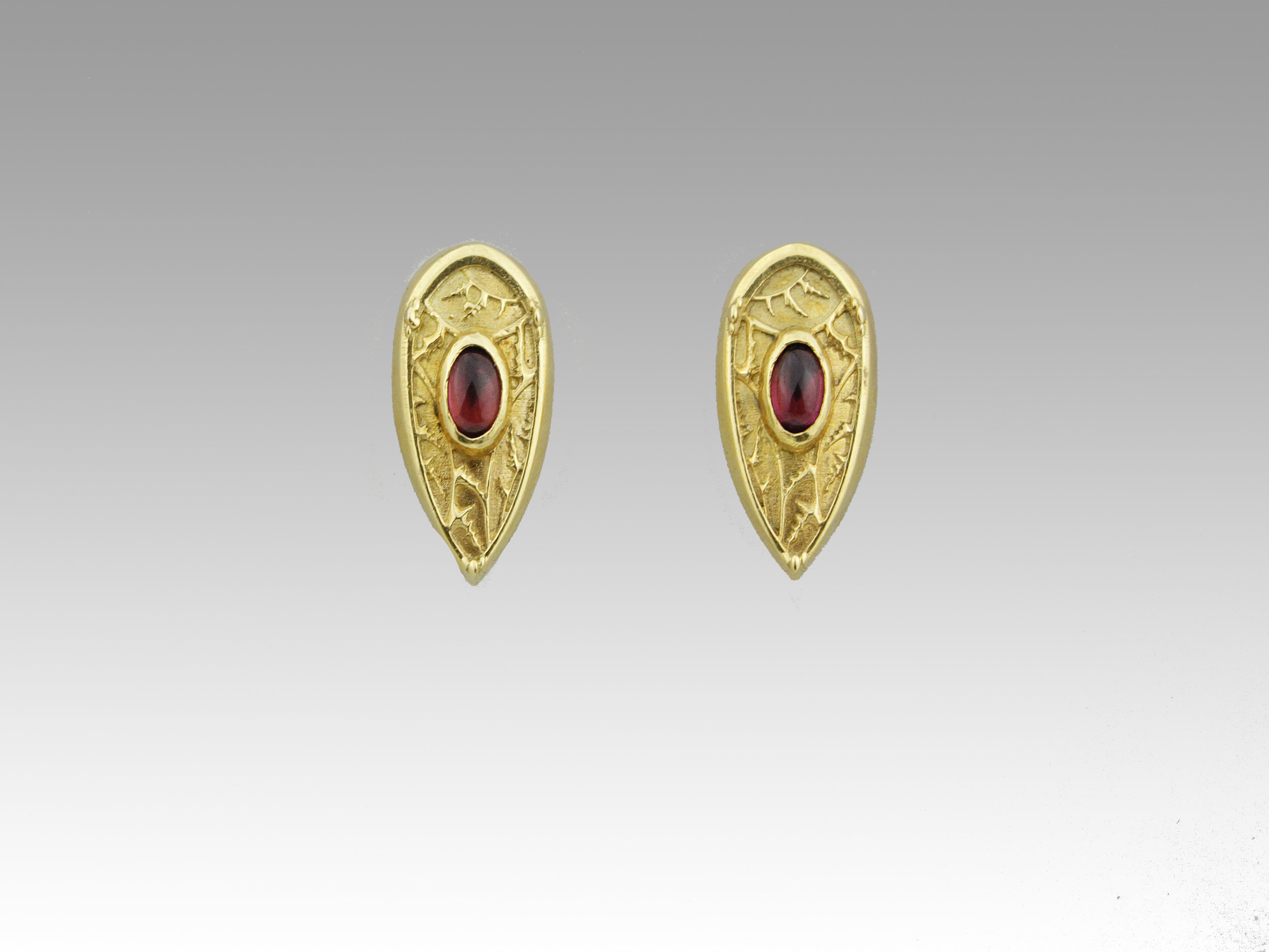 Yellow gold, garnet - pearl drop removed
