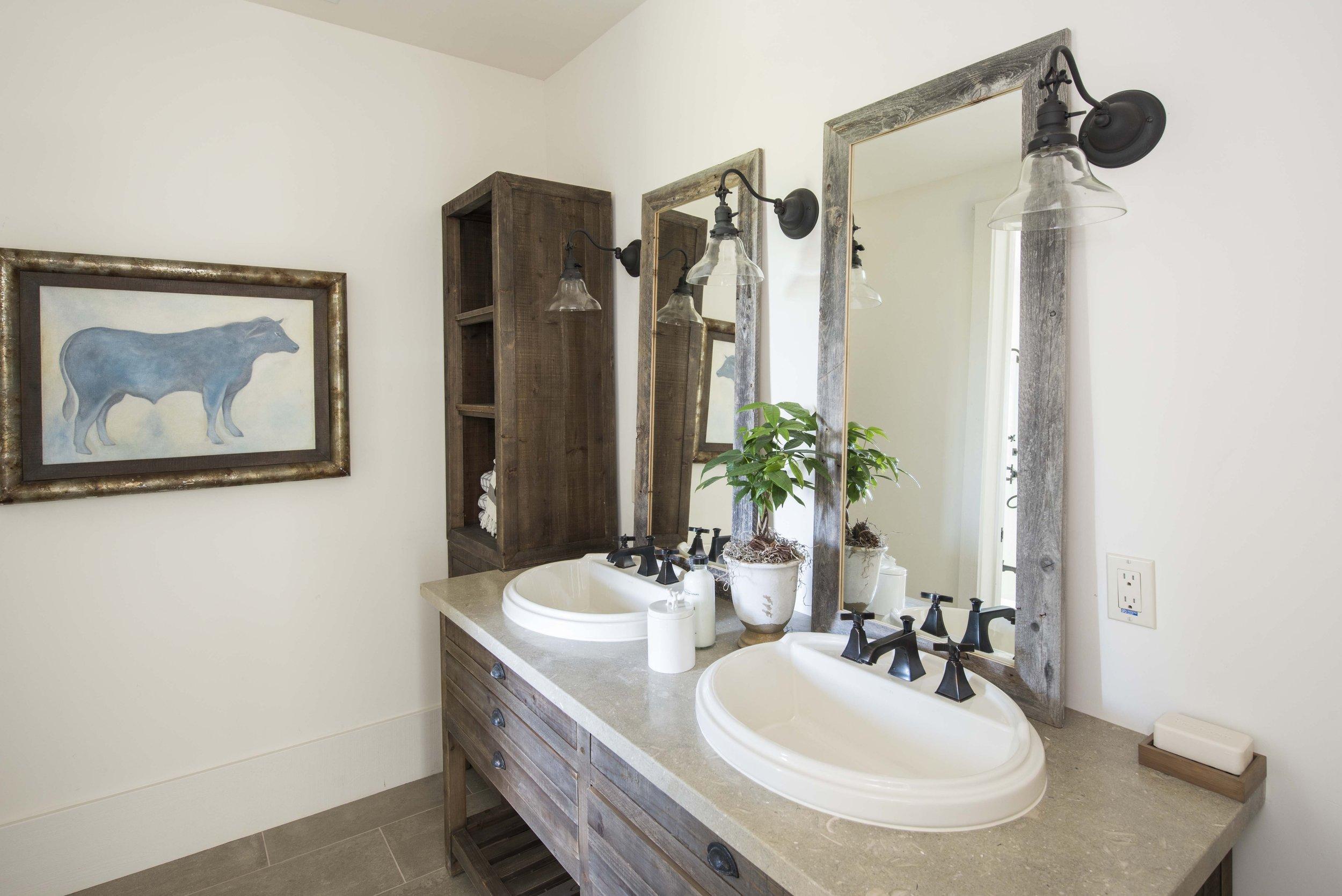 Bathroom+DSC_2645.jpg