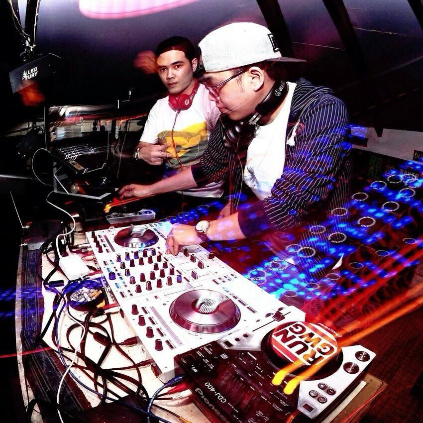 DJ Vaux