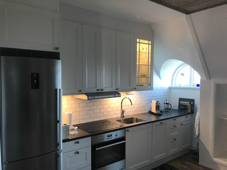 be-partner-byggfirma-båstad-kök-montering.jpg