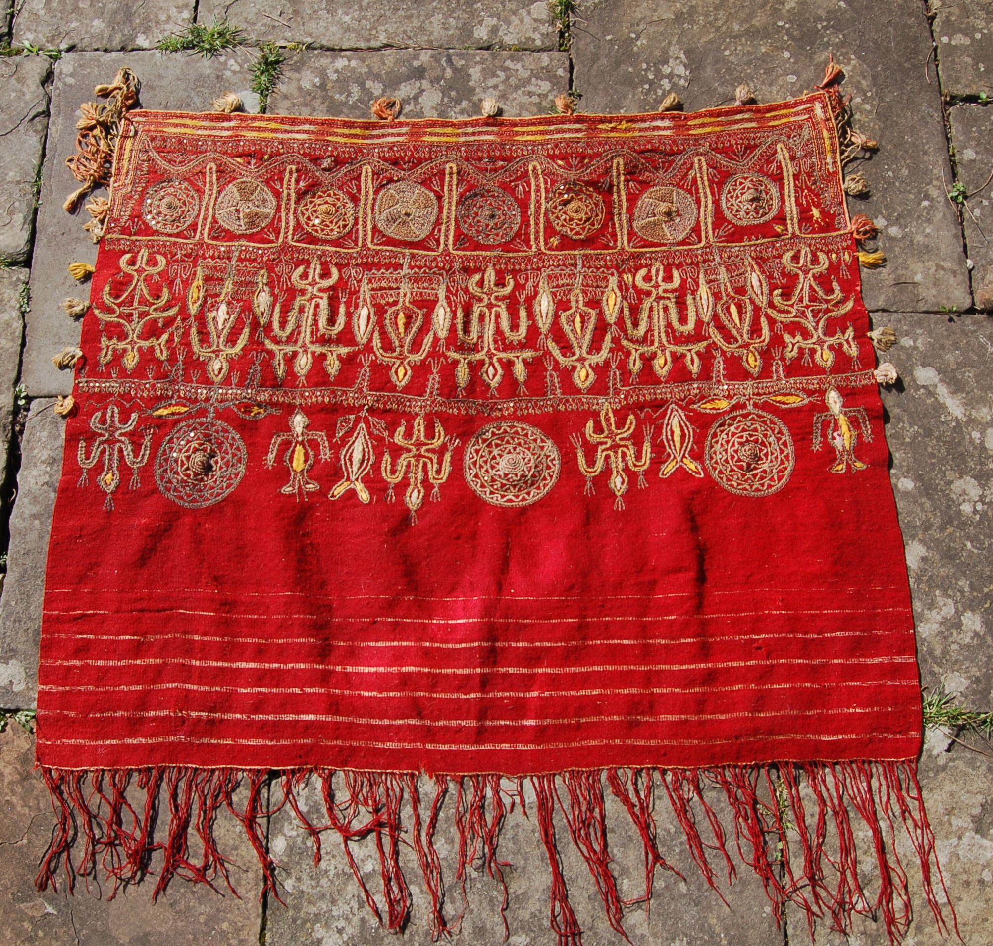 Tunisian womans wedding shawl