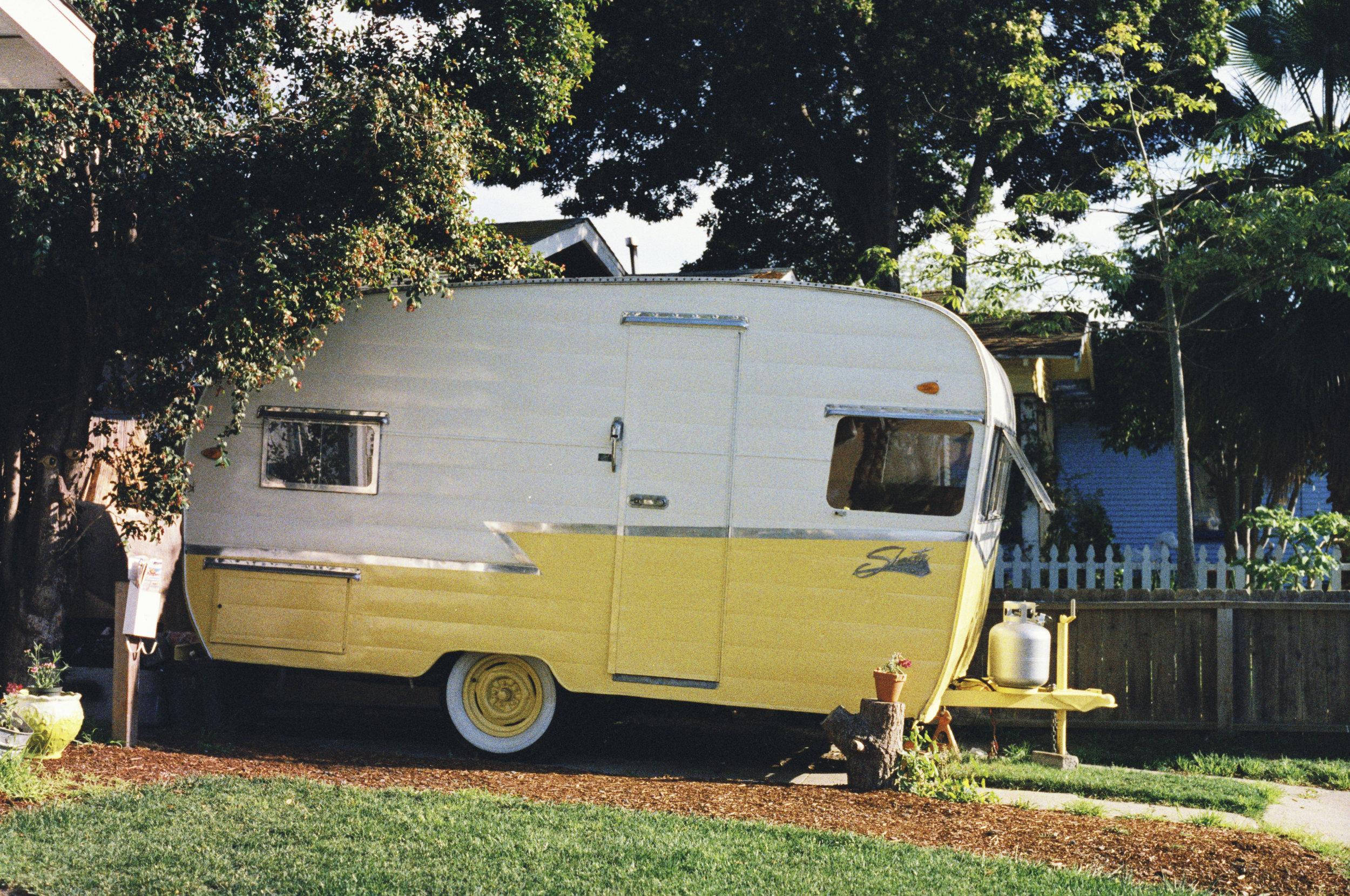 Campers! Pop-Up Campers, Truck Campers, Hybrid Trailers, Teardrop Trailers,