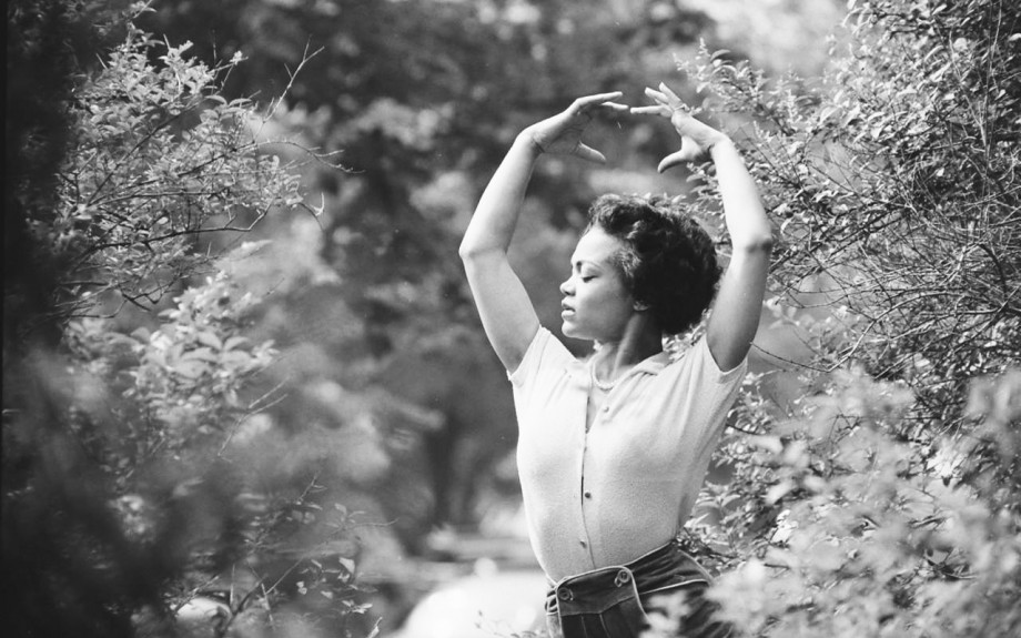 Eartha Kitt modeling bodyfulness.