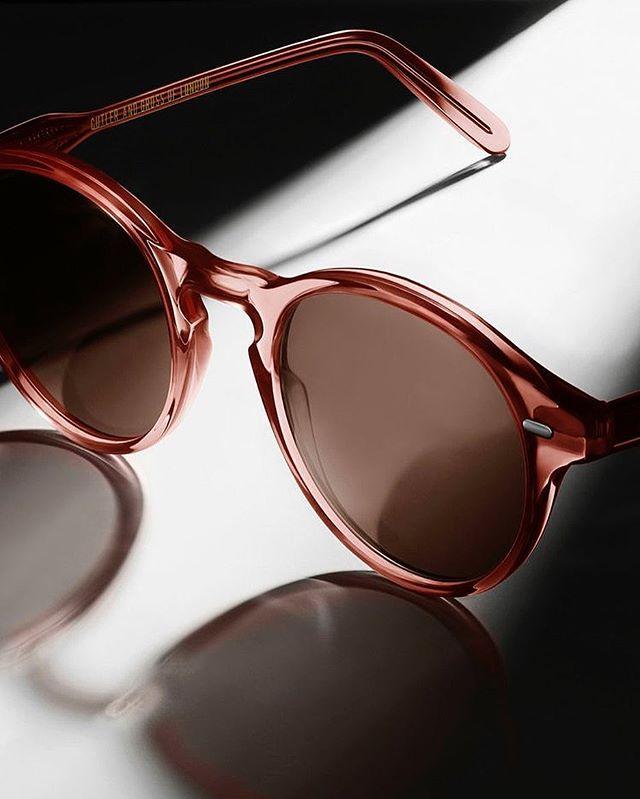 Hello sunshine. ☀️ #harpersunday #sunglasses #ivegotthisthingwithpink #pinkaesthetic