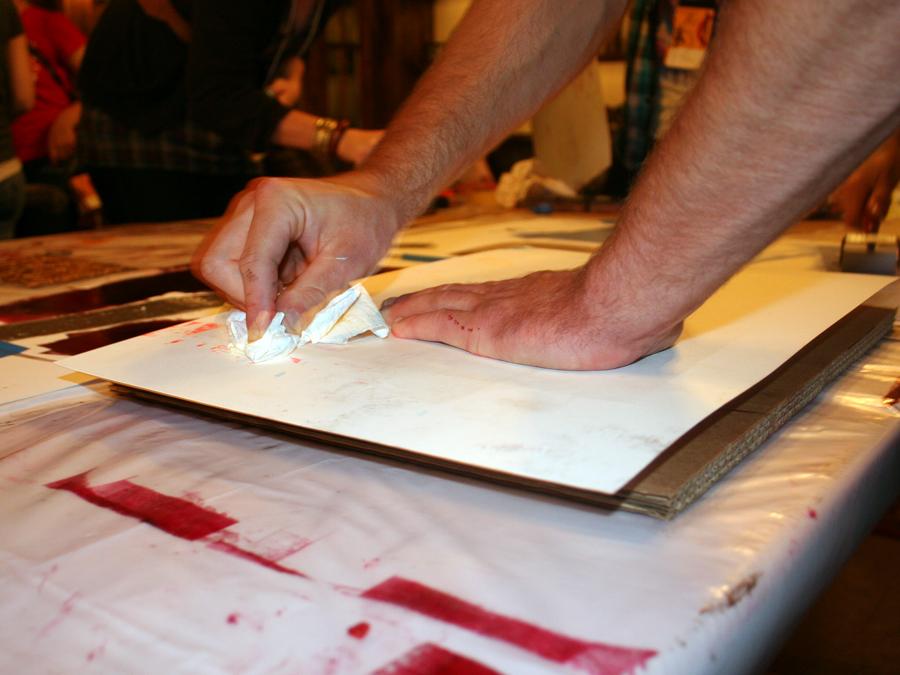 0025_hand_burnishing_papertowel_designcamp2010.jpg