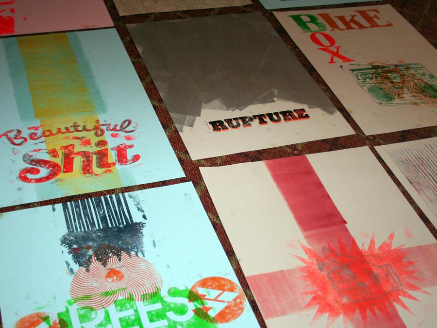 0017_posters_on_floor_designcamp2010.jpg