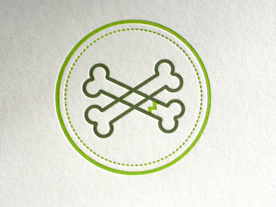0001_rollergirls_letterpress_bones_badge.jpg