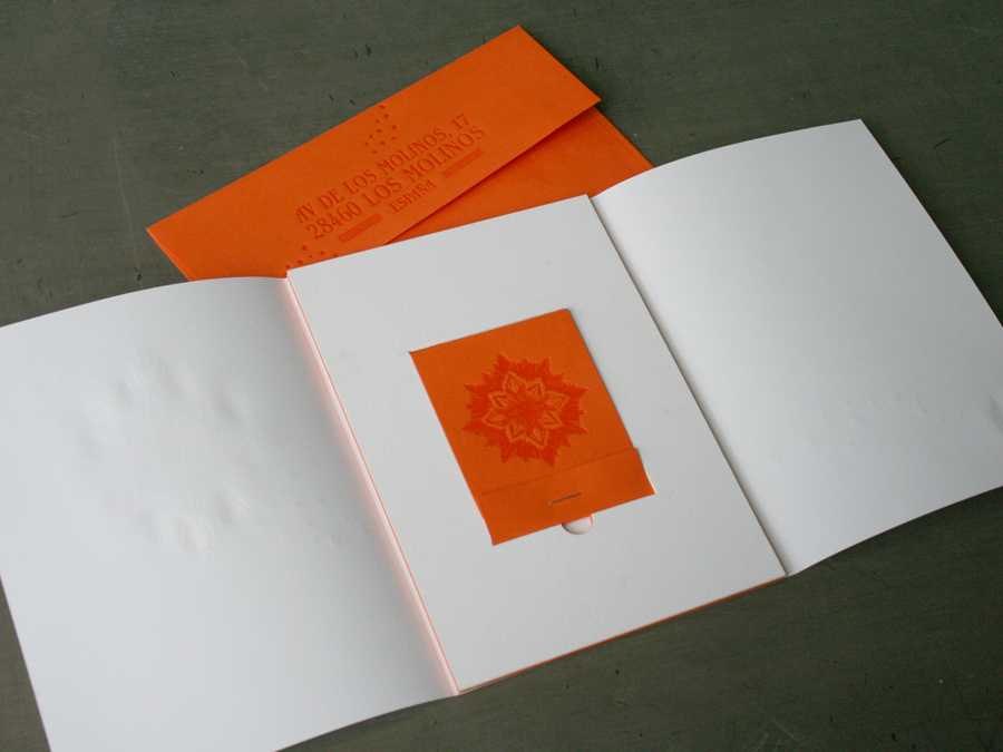 0010_StudioOnFire_letterpress_matchbook_wedding_A7frame_unwrapped.jpg