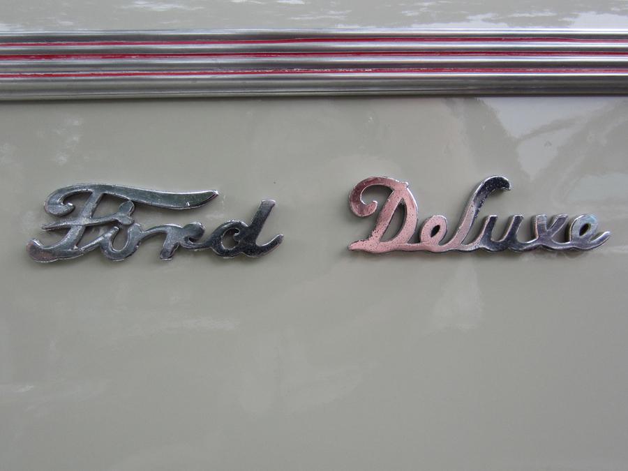0006_ford_deluxe__logo_sof.jpg