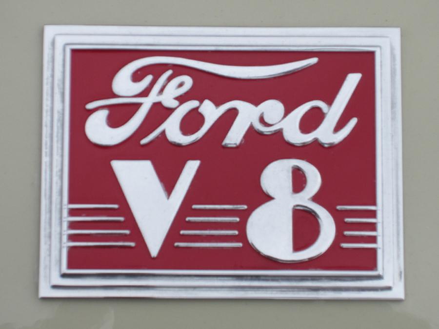 0007_ford_v8_logo_sof.jpg