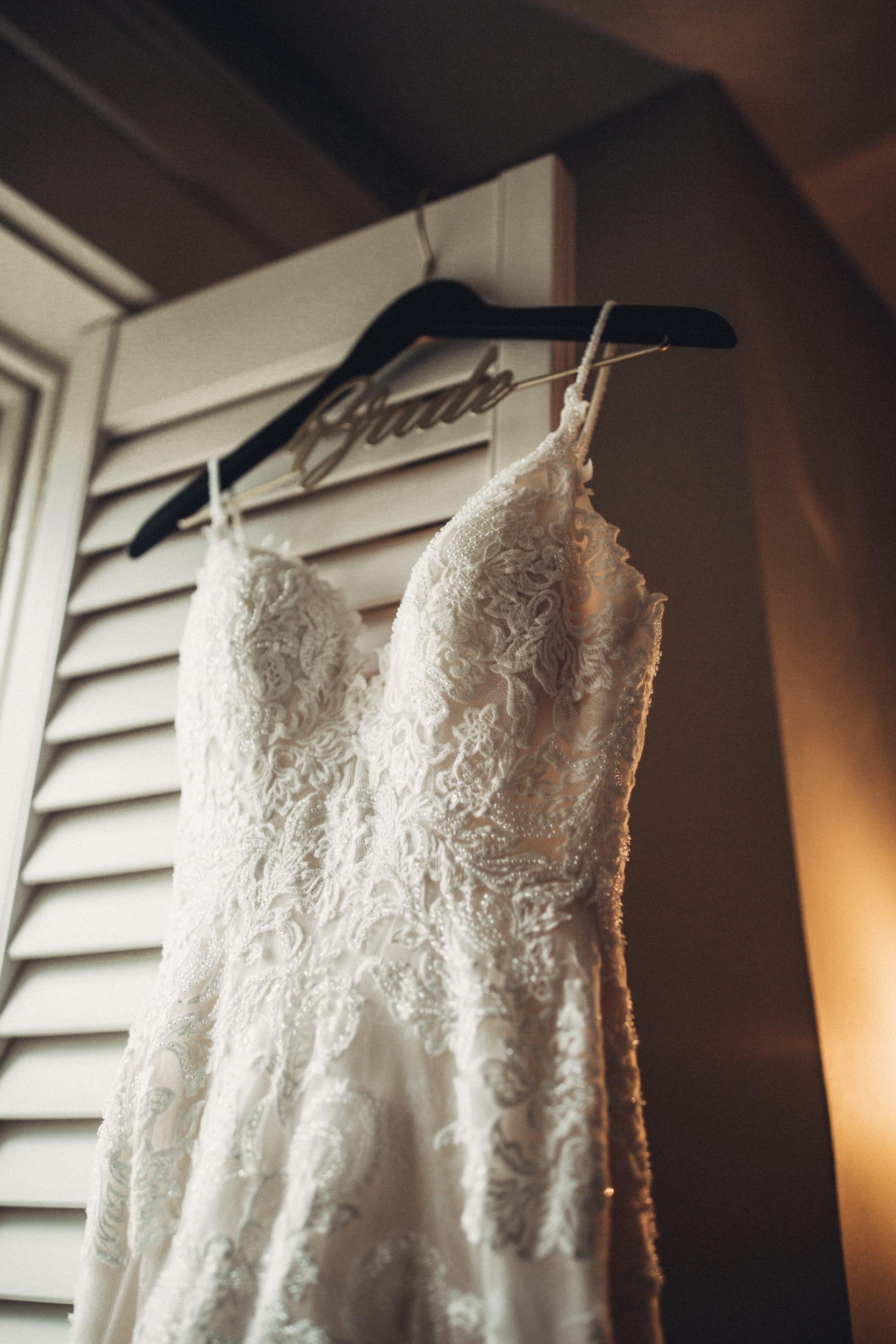 Editorial_Ohio_Farmhouse_Wedding_2.JPG