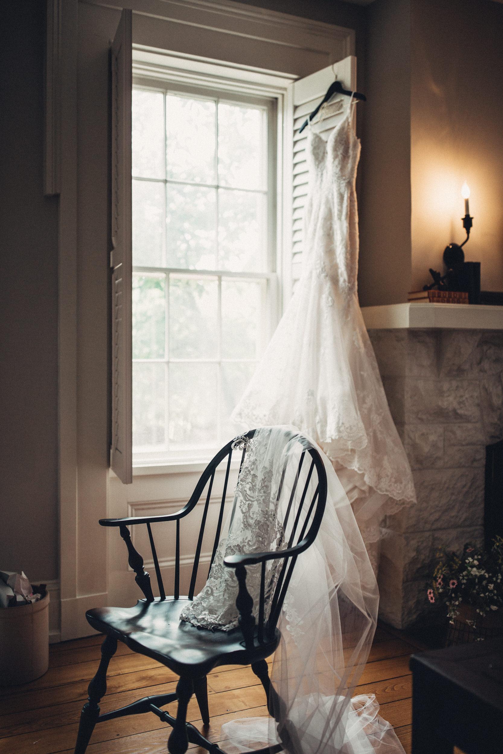 Editorial_Ohio_Farmhouse_Wedding_3.JPG