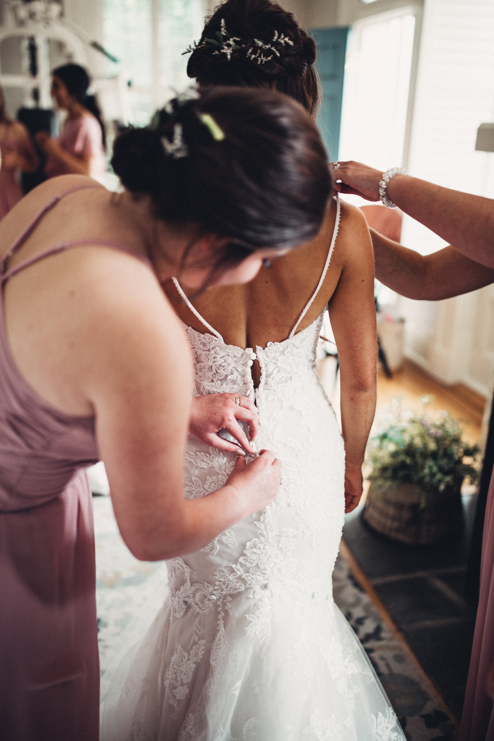 Editorial_Ohio_Farmhouse_Wedding_7.JPG