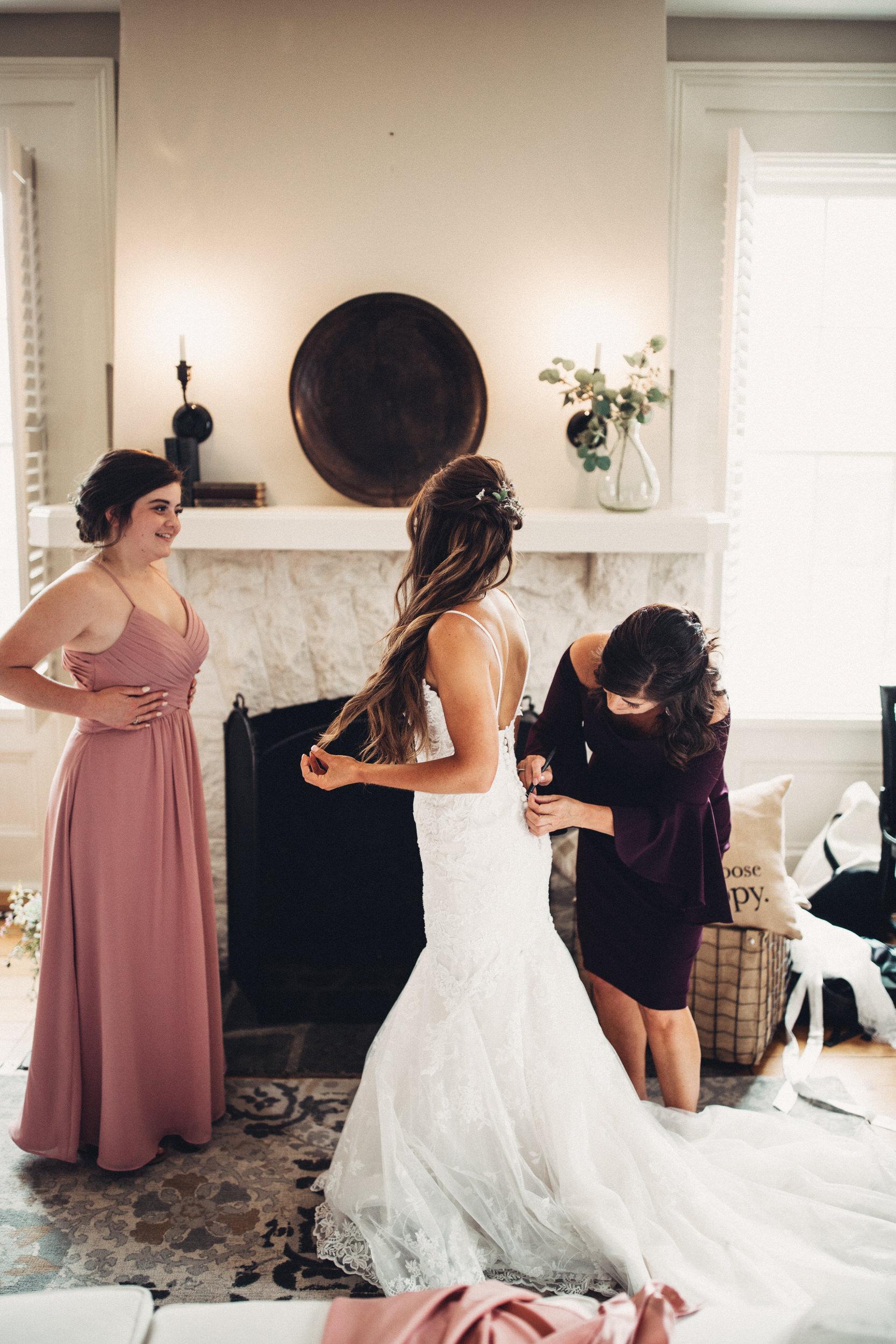 Editorial_Ohio_Farmhouse_Wedding_8.JPG