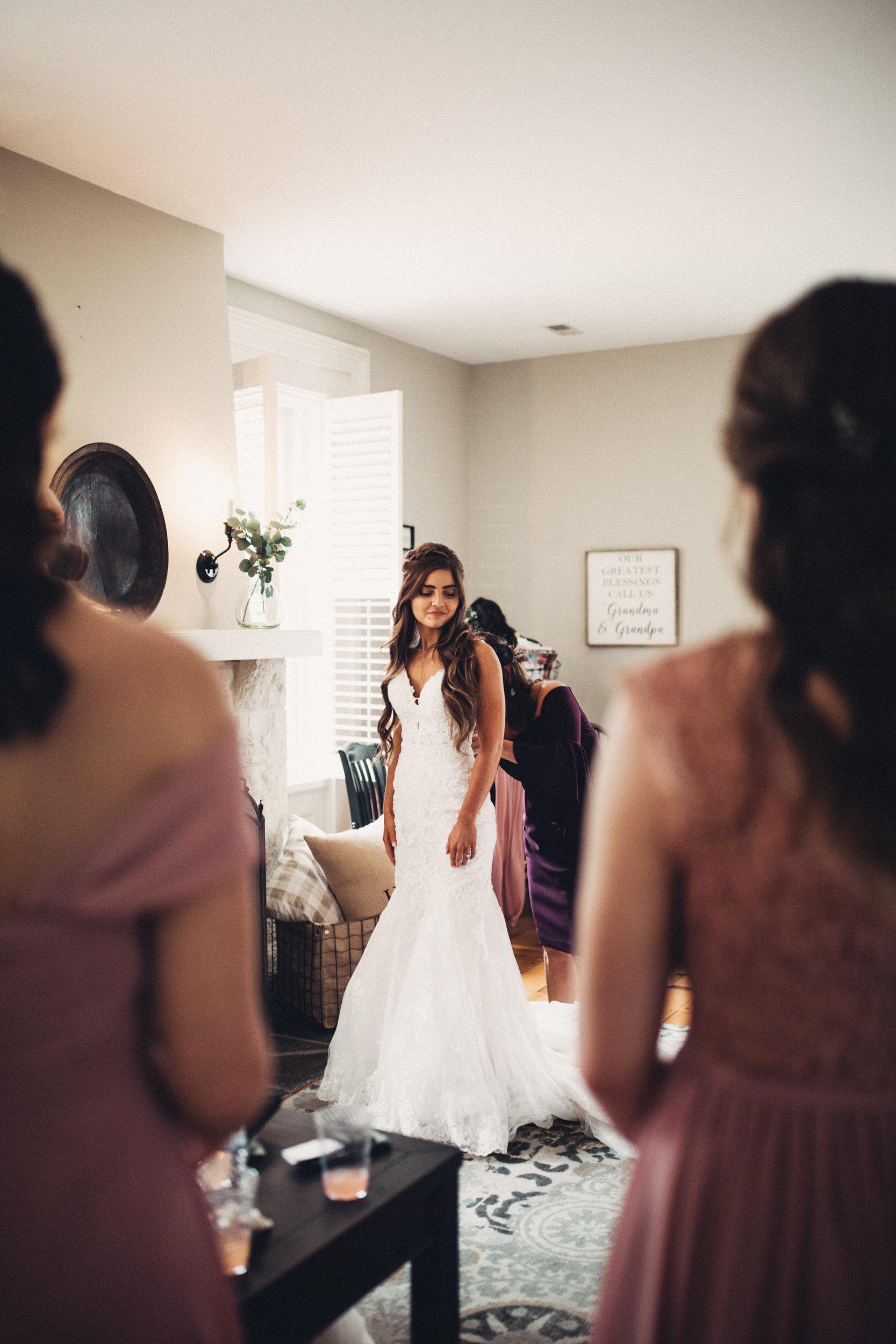 Editorial_Ohio_Farmhouse_Wedding_11.JPG