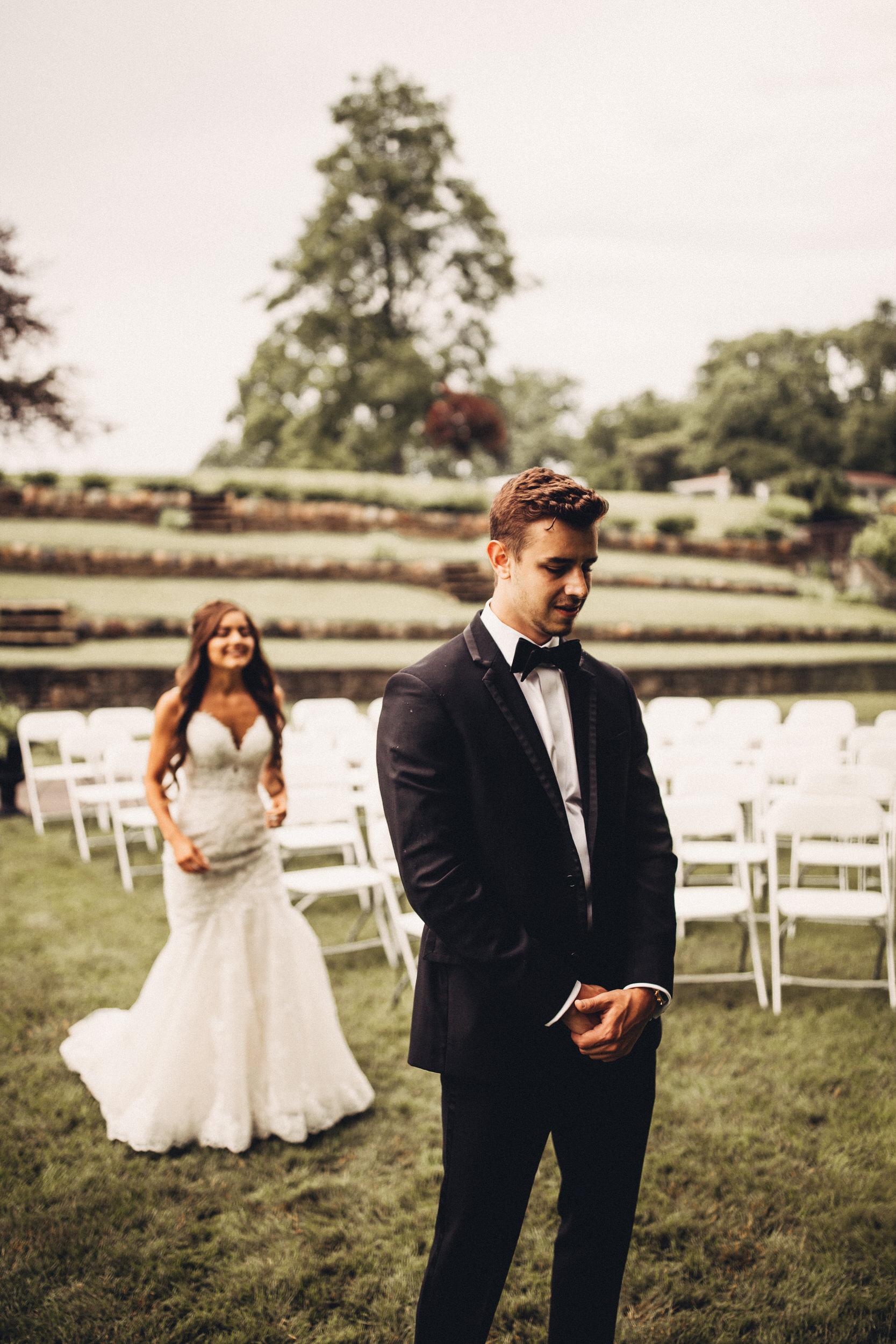 Editorial_Ohio_Farmhouse_Wedding_14.JPG