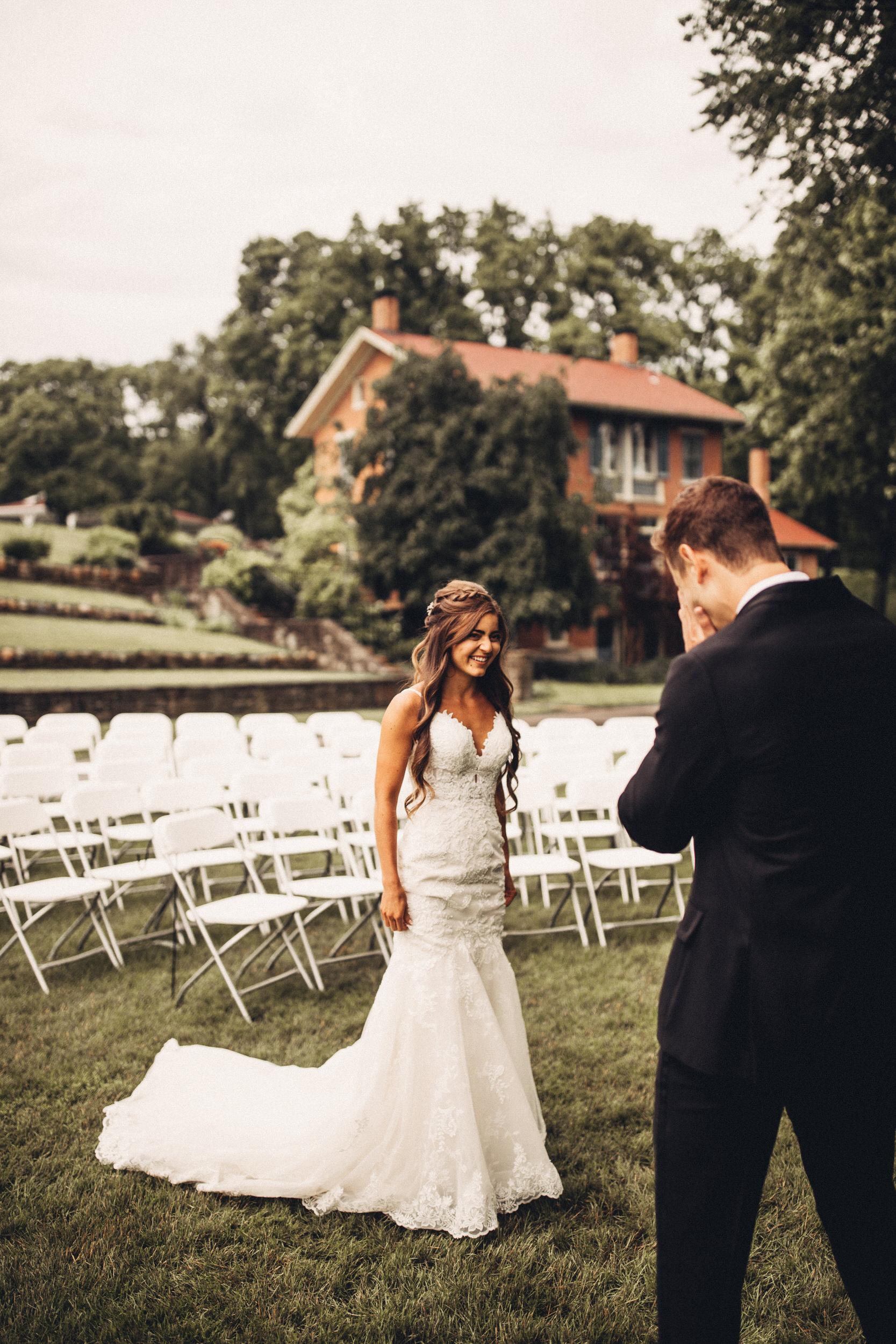 Editorial_Ohio_Farmhouse_Wedding_16.JPG