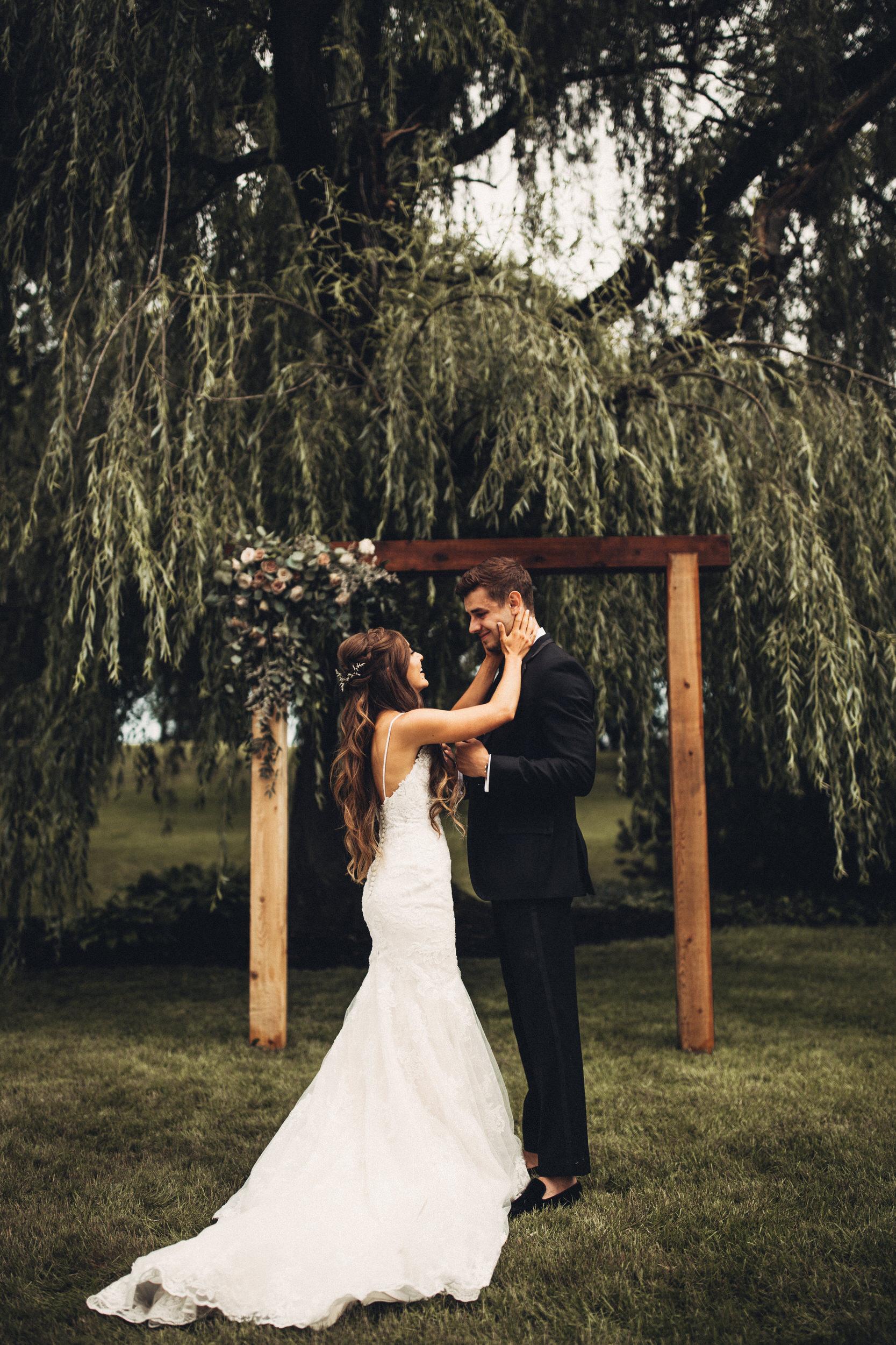 Editorial_Ohio_Farmhouse_Wedding_18.JPG