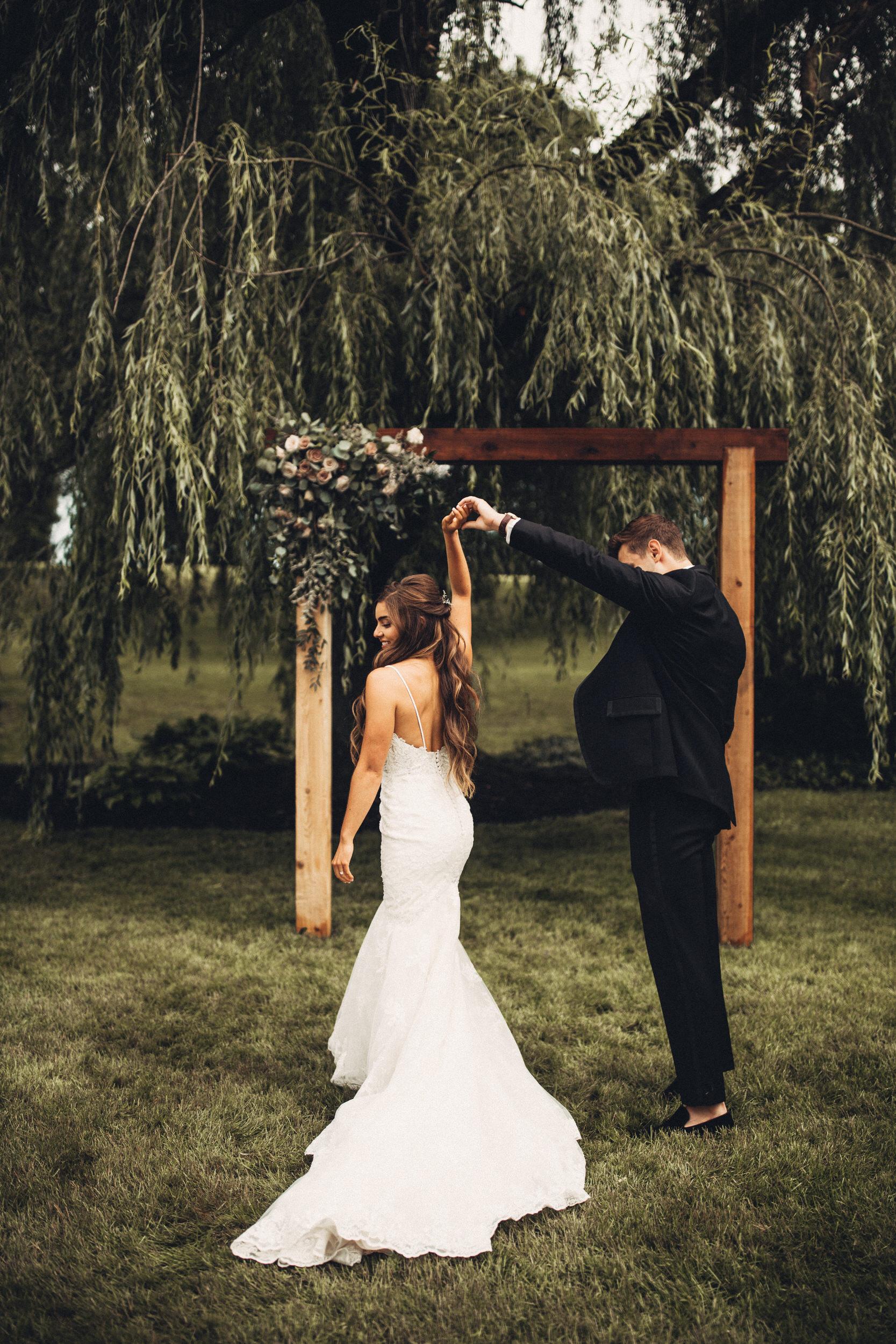 Editorial_Ohio_Farmhouse_Wedding_19.JPG