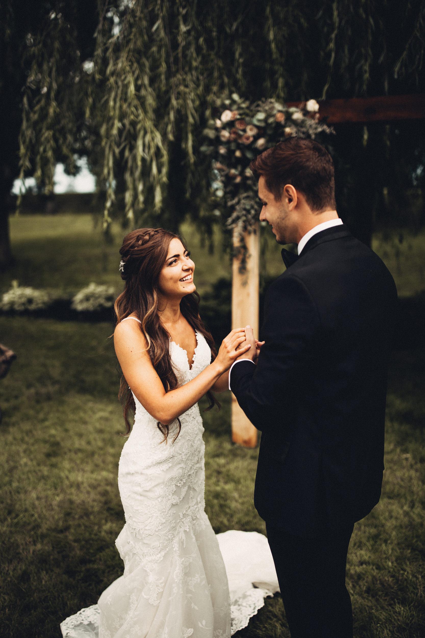 Editorial_Ohio_Farmhouse_Wedding_23.JPG