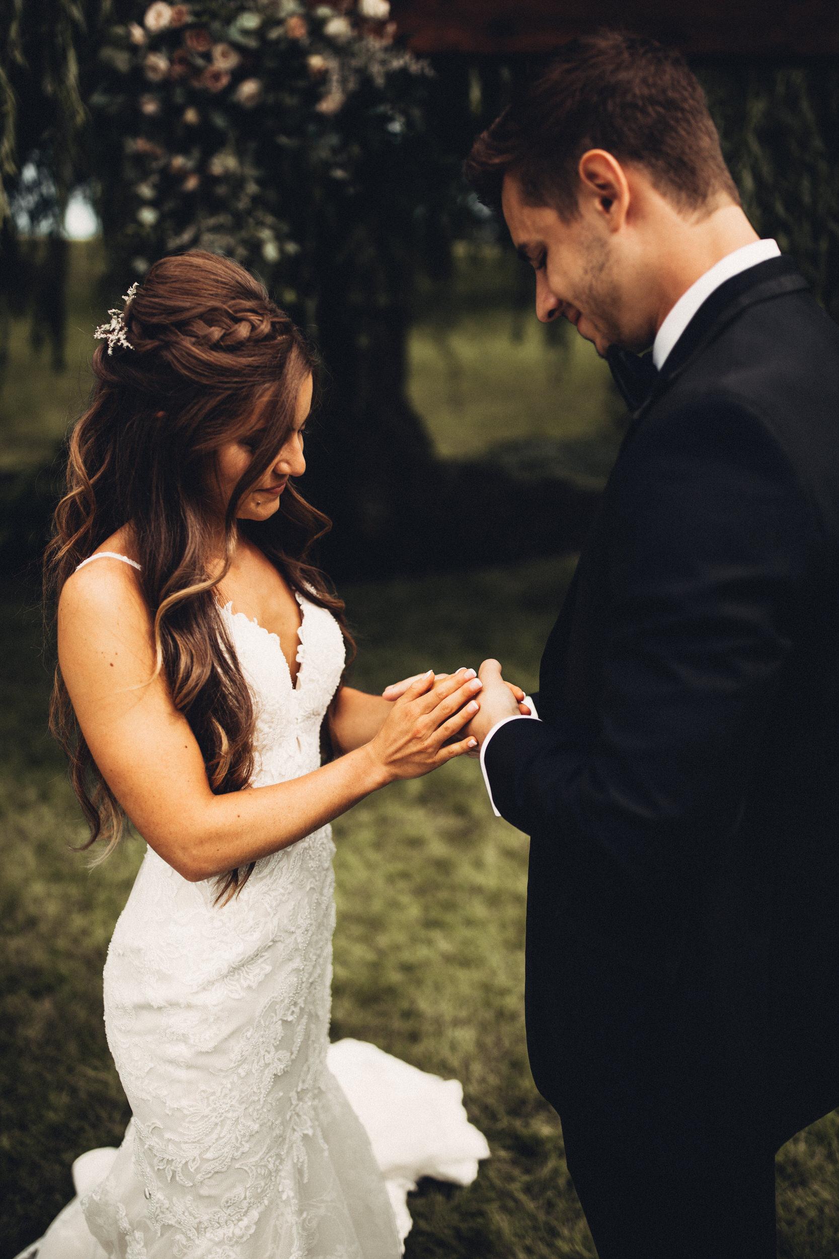 Editorial_Ohio_Farmhouse_Wedding_24.JPG