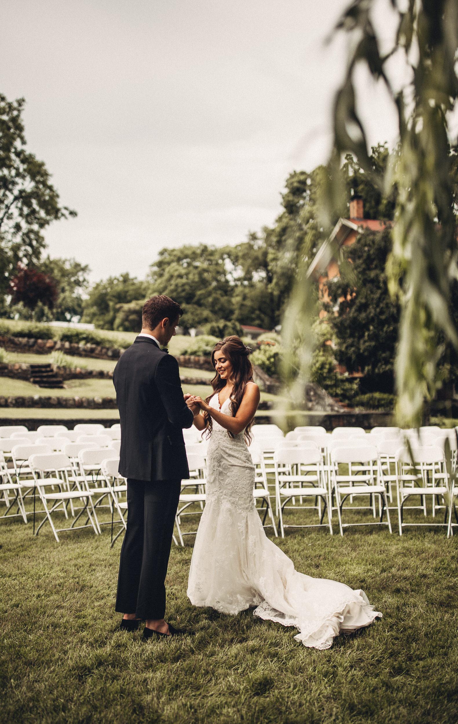 Editorial_Ohio_Farmhouse_Wedding_25.JPG