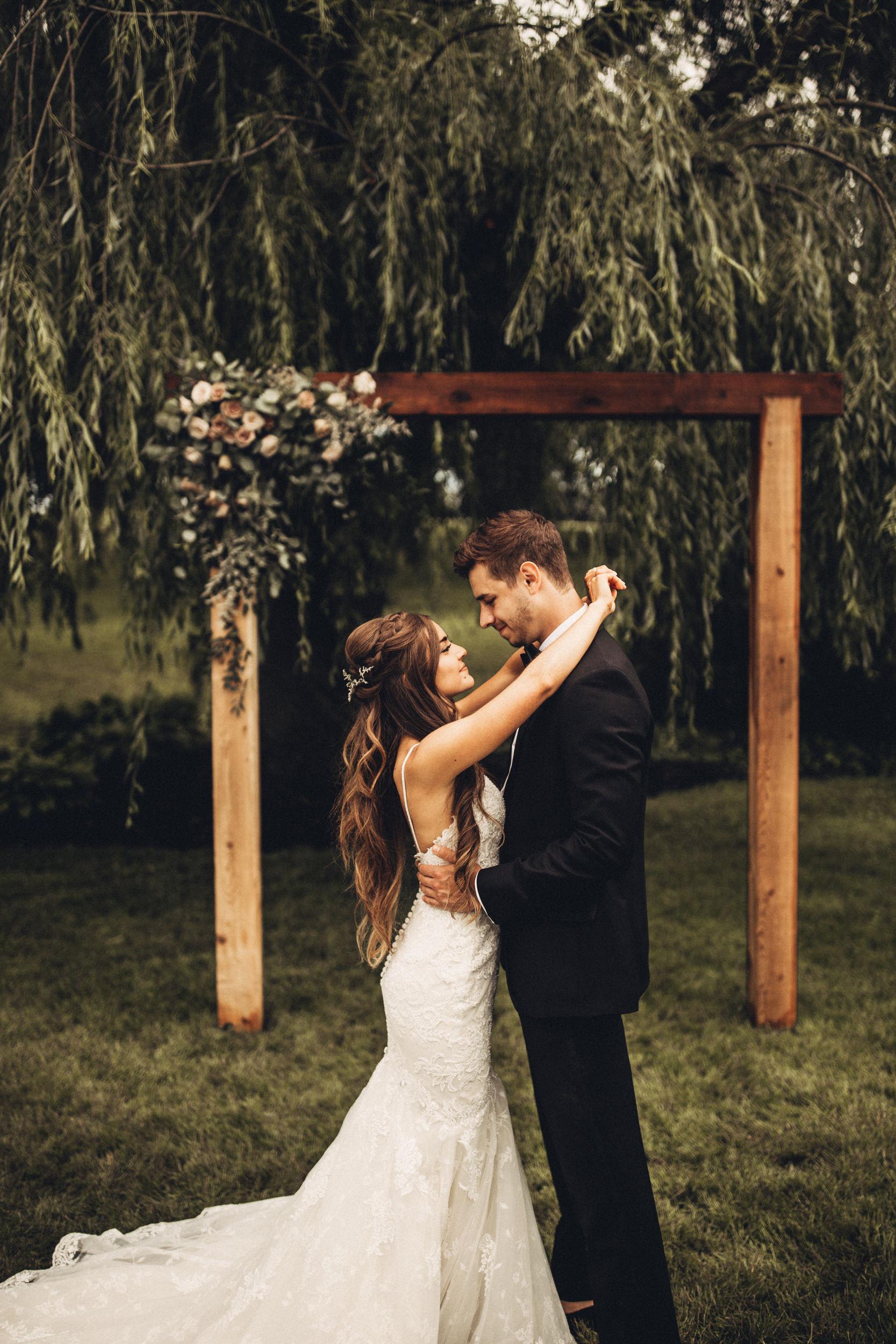 Editorial_Ohio_Farmhouse_Wedding_28.JPG