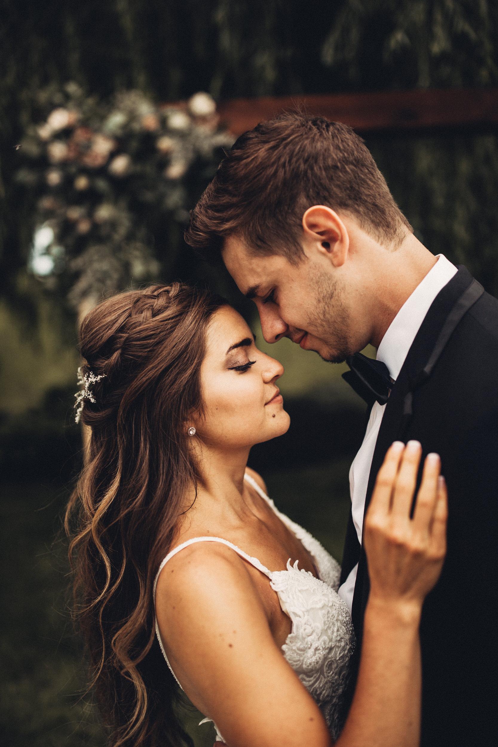 Editorial_Ohio_Farmhouse_Wedding_30.JPG