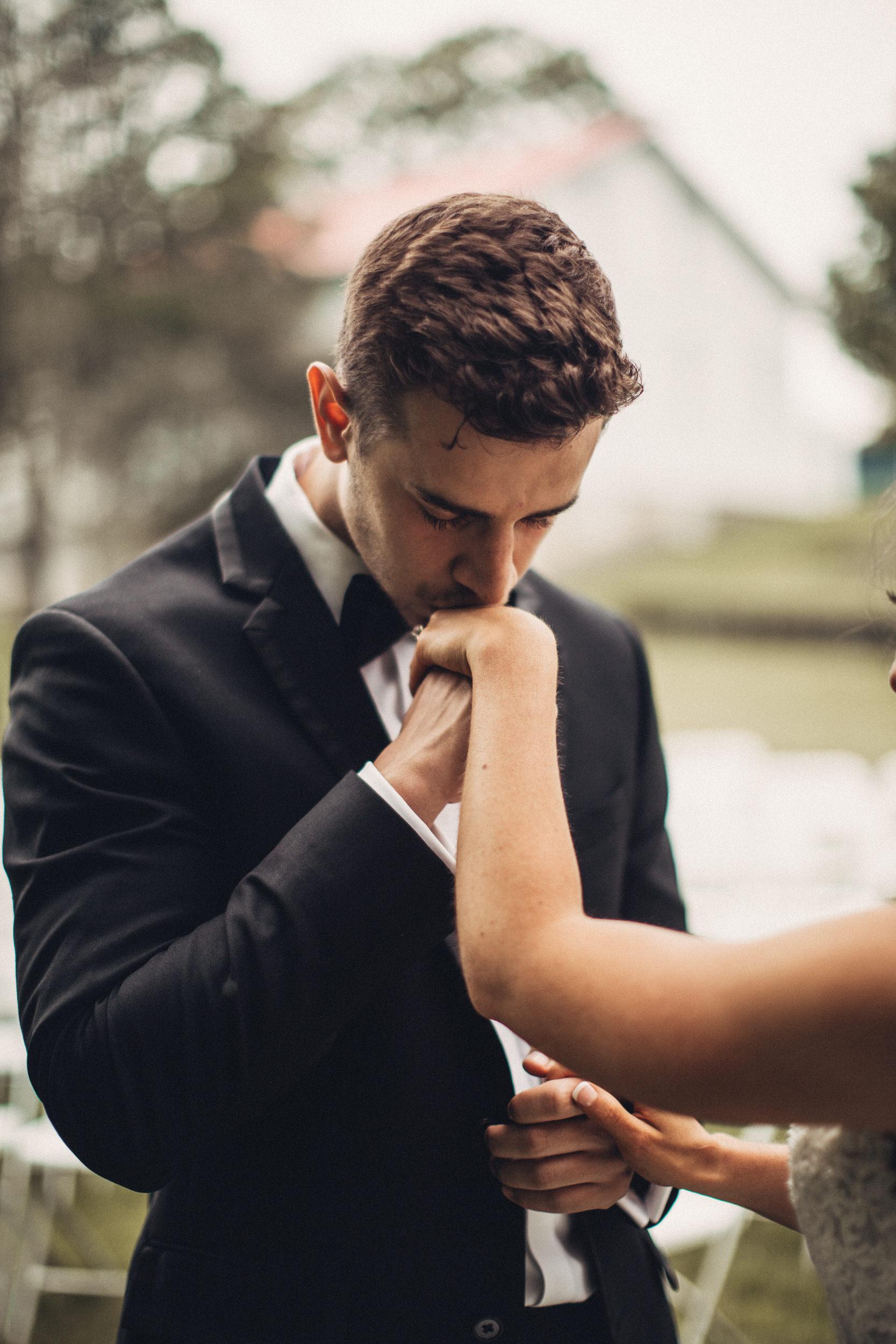 Editorial_Ohio_Farmhouse_Wedding_32.JPG