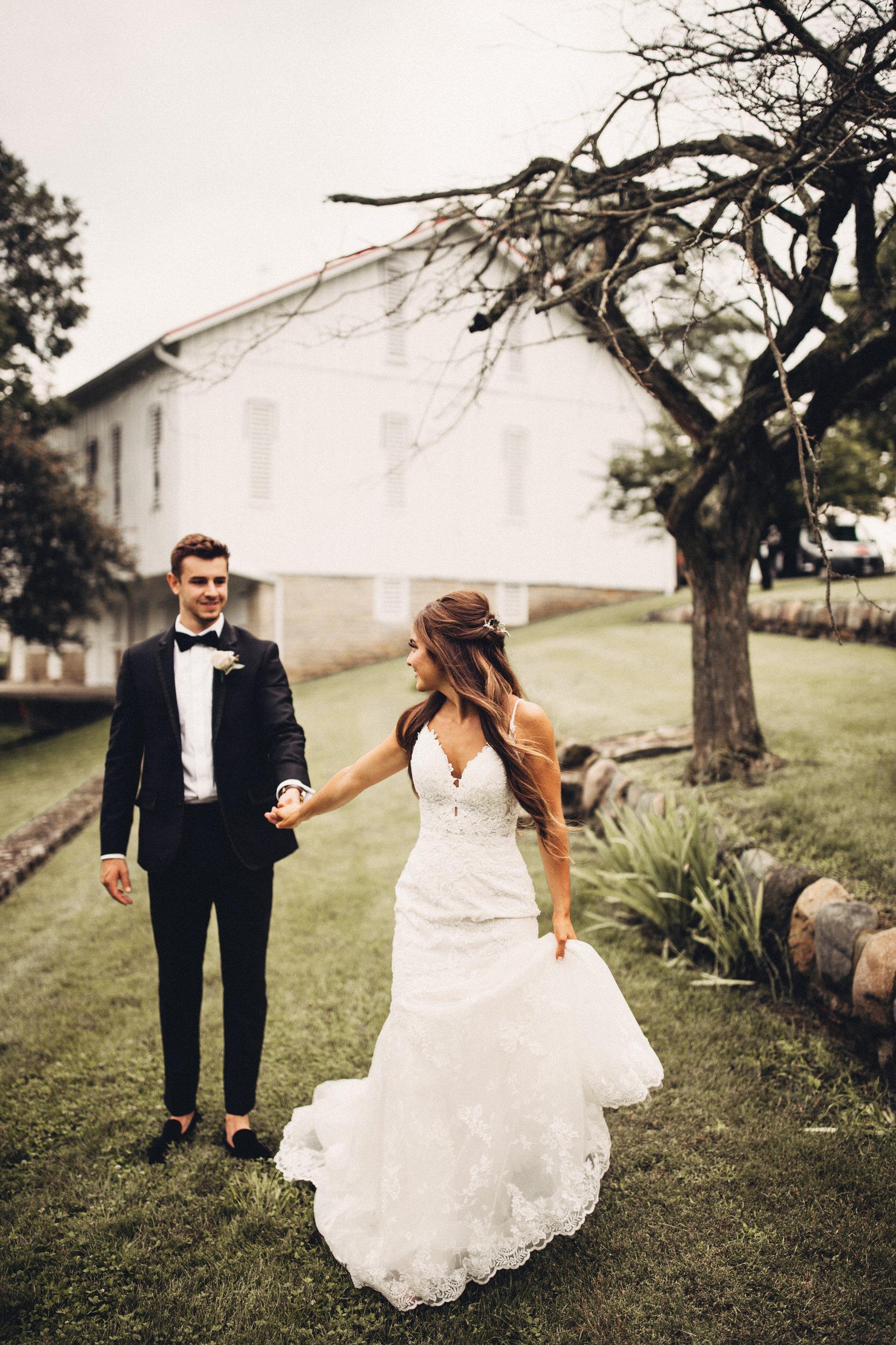 Editorial_Ohio_Farmhouse_Wedding_49.JPG