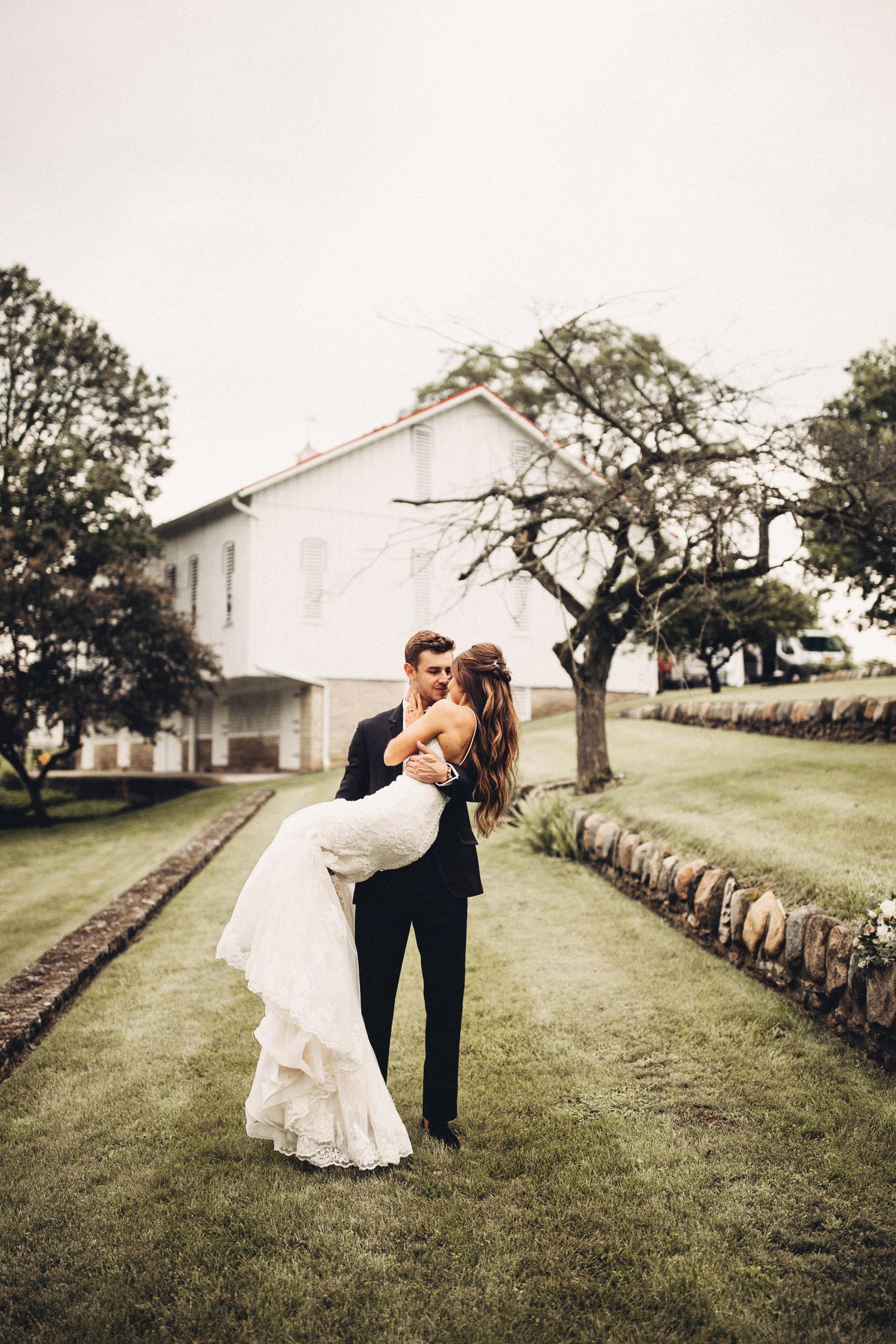 Editorial_Ohio_Farmhouse_Wedding_50.JPG