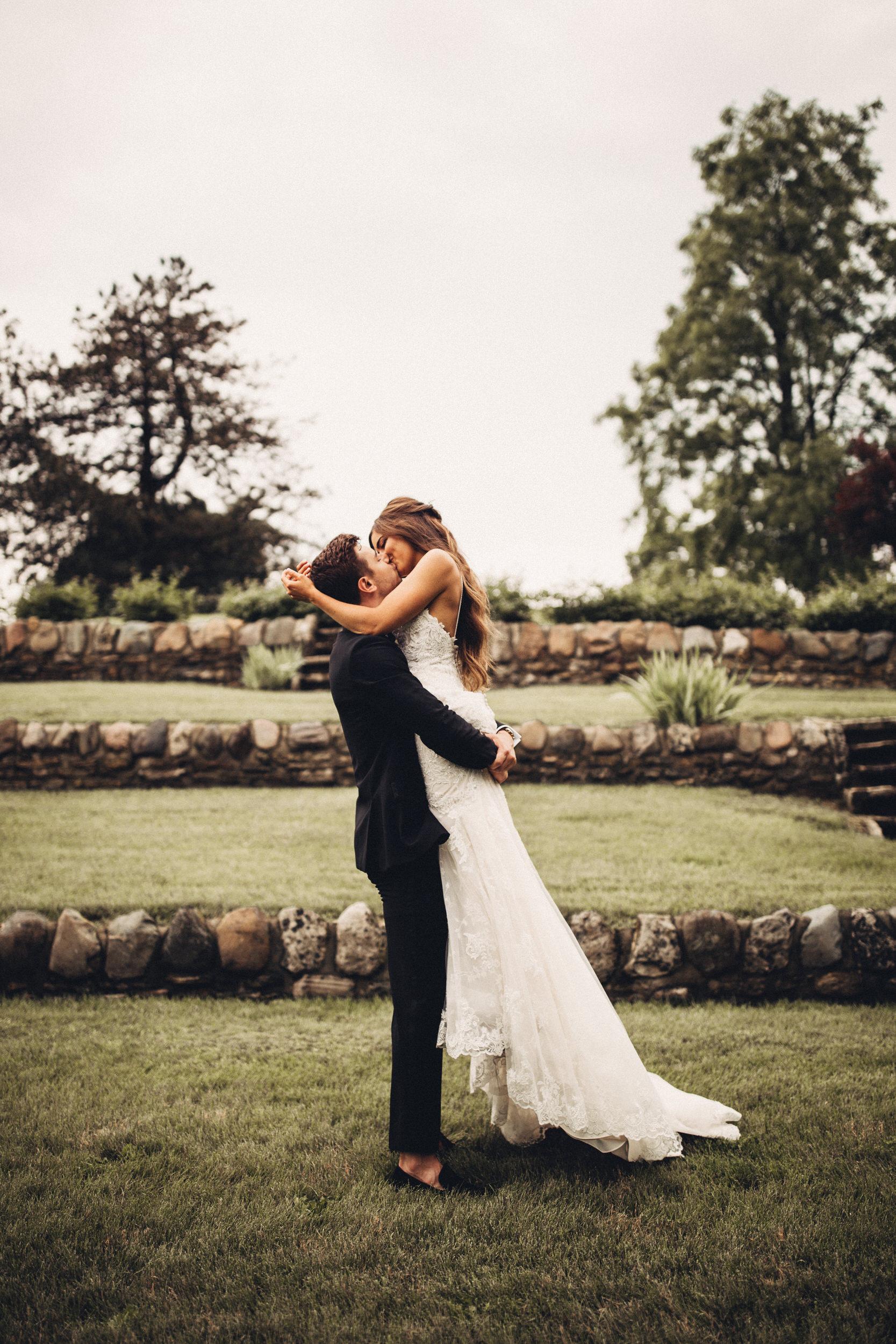 Editorial_Ohio_Farmhouse_Wedding_52.JPG