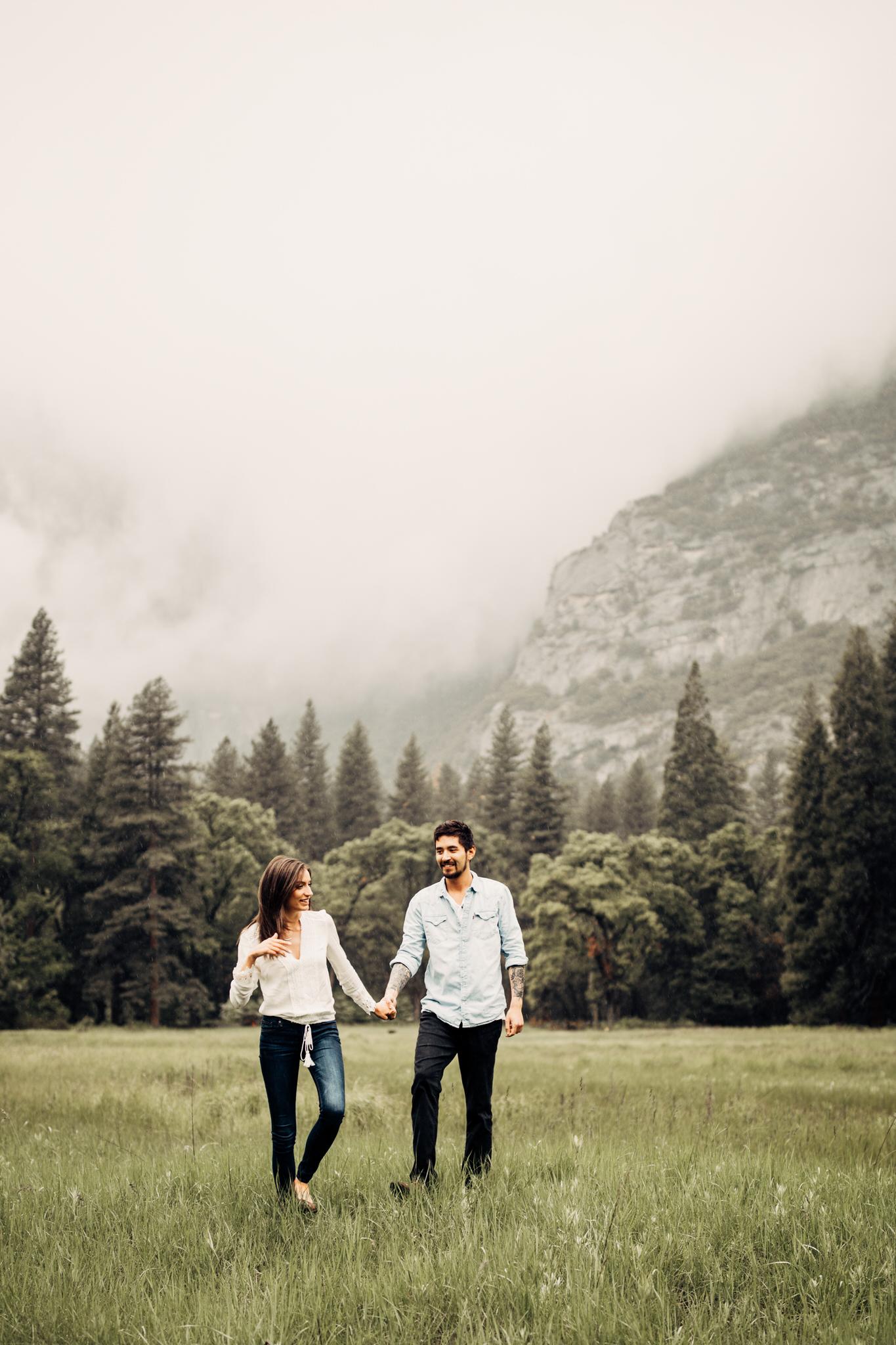 Yosemite-engagement-session-lauren-and-tom2.jpg