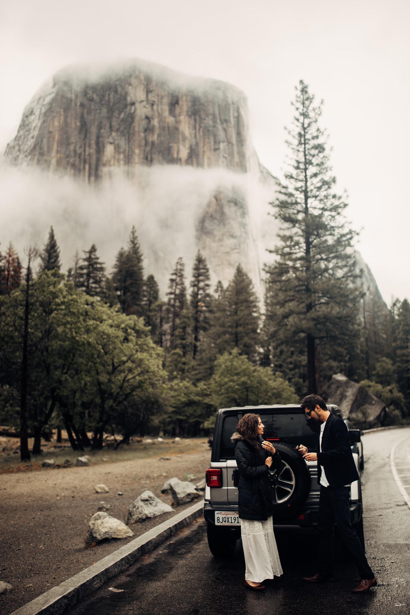 Yosemite-engagement-session-lauren-and-tom45.jpg