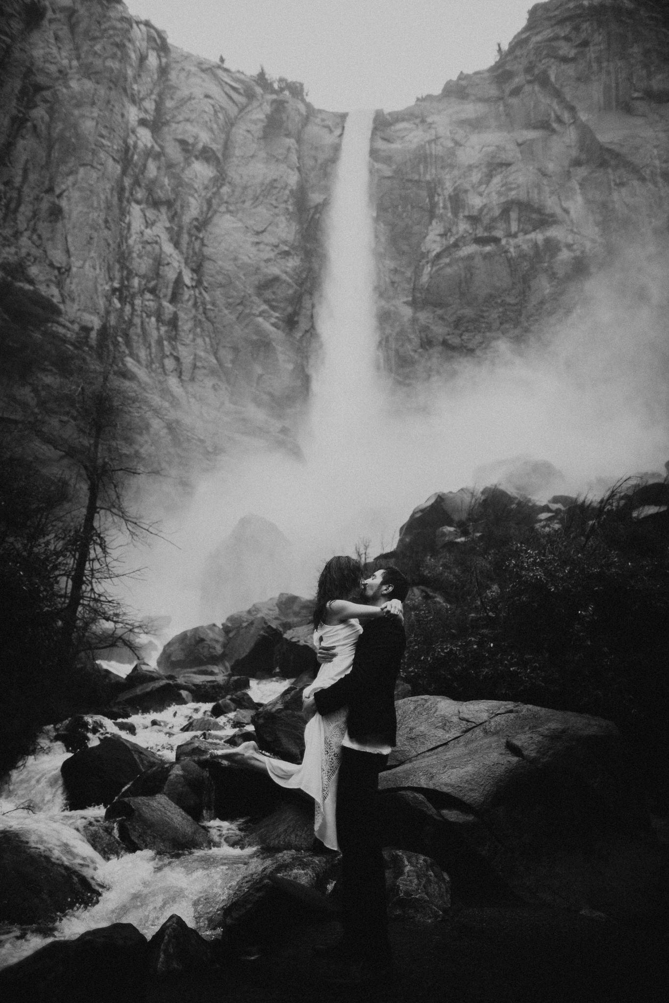 Yosemite-engagement-session-lauren-and-tom52.jpg