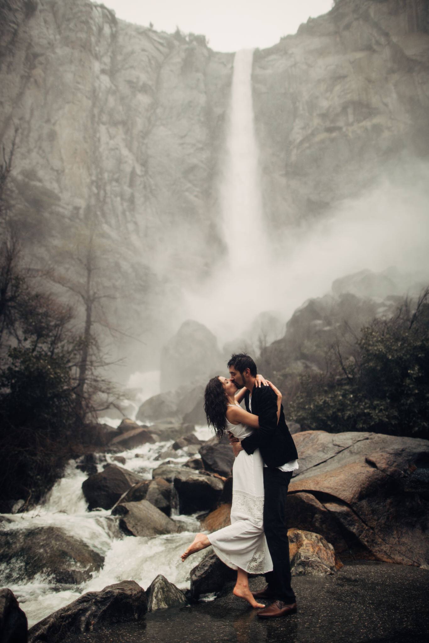 Yosemite-engagement-session-lauren-and-tom51.jpg