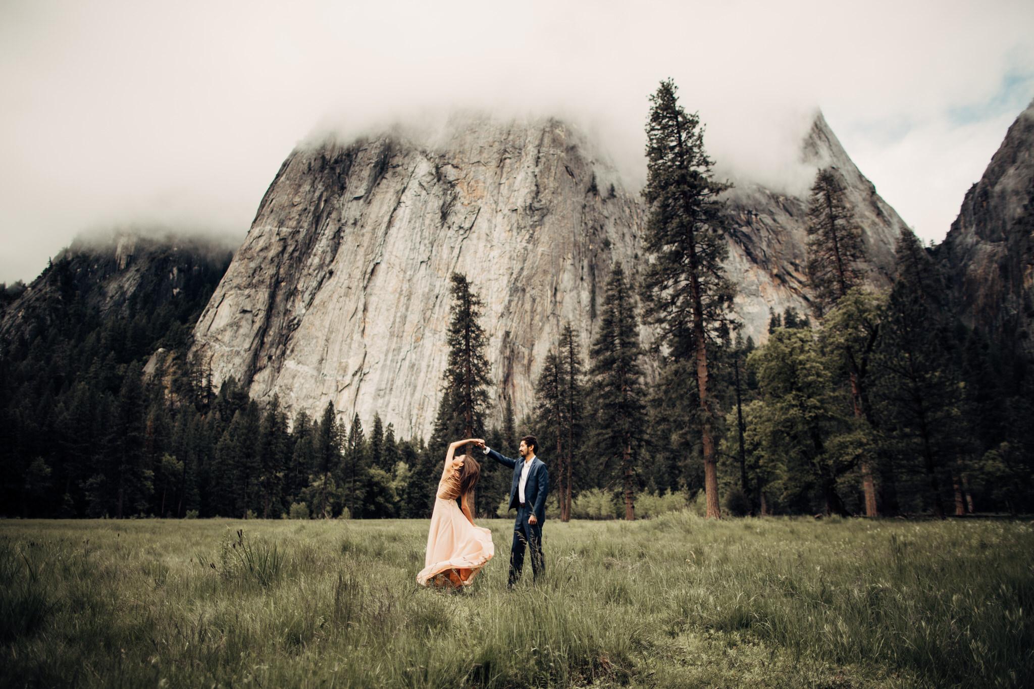 Yosemite-engagement-session-lauren-and-tom61.jpg