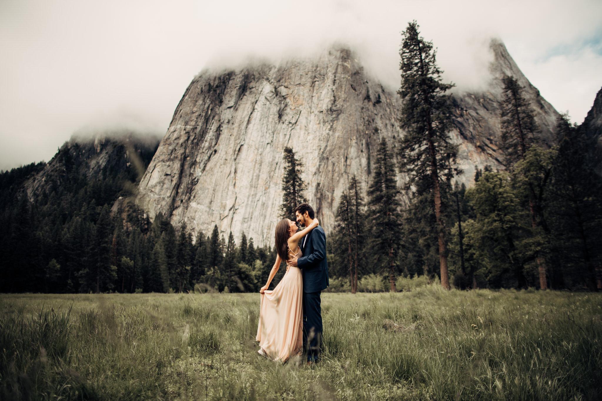 Yosemite-engagement-session-lauren-and-tom62.jpg