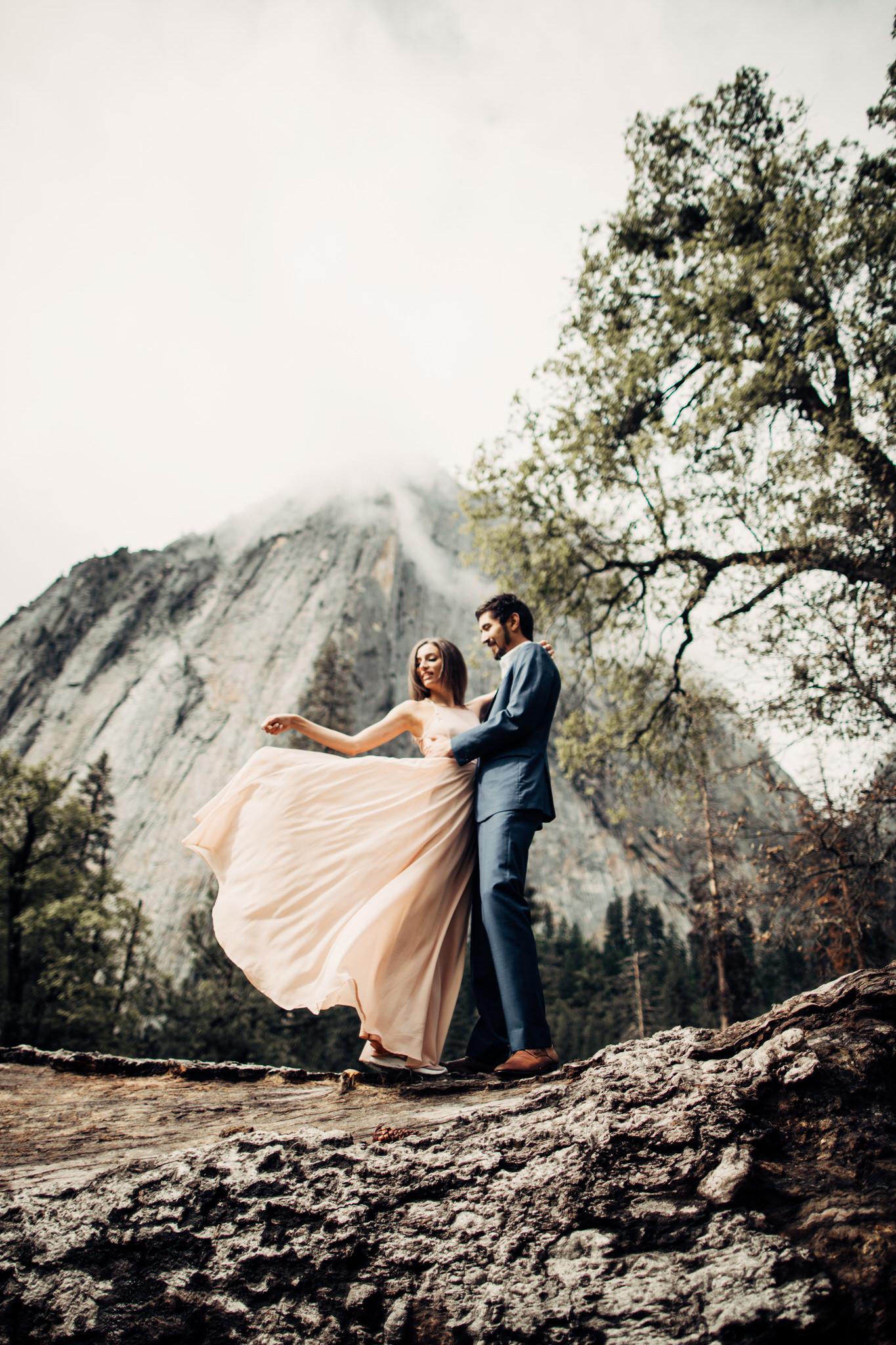 Yosemite-engagement-session-lauren-and-tom77.jpg