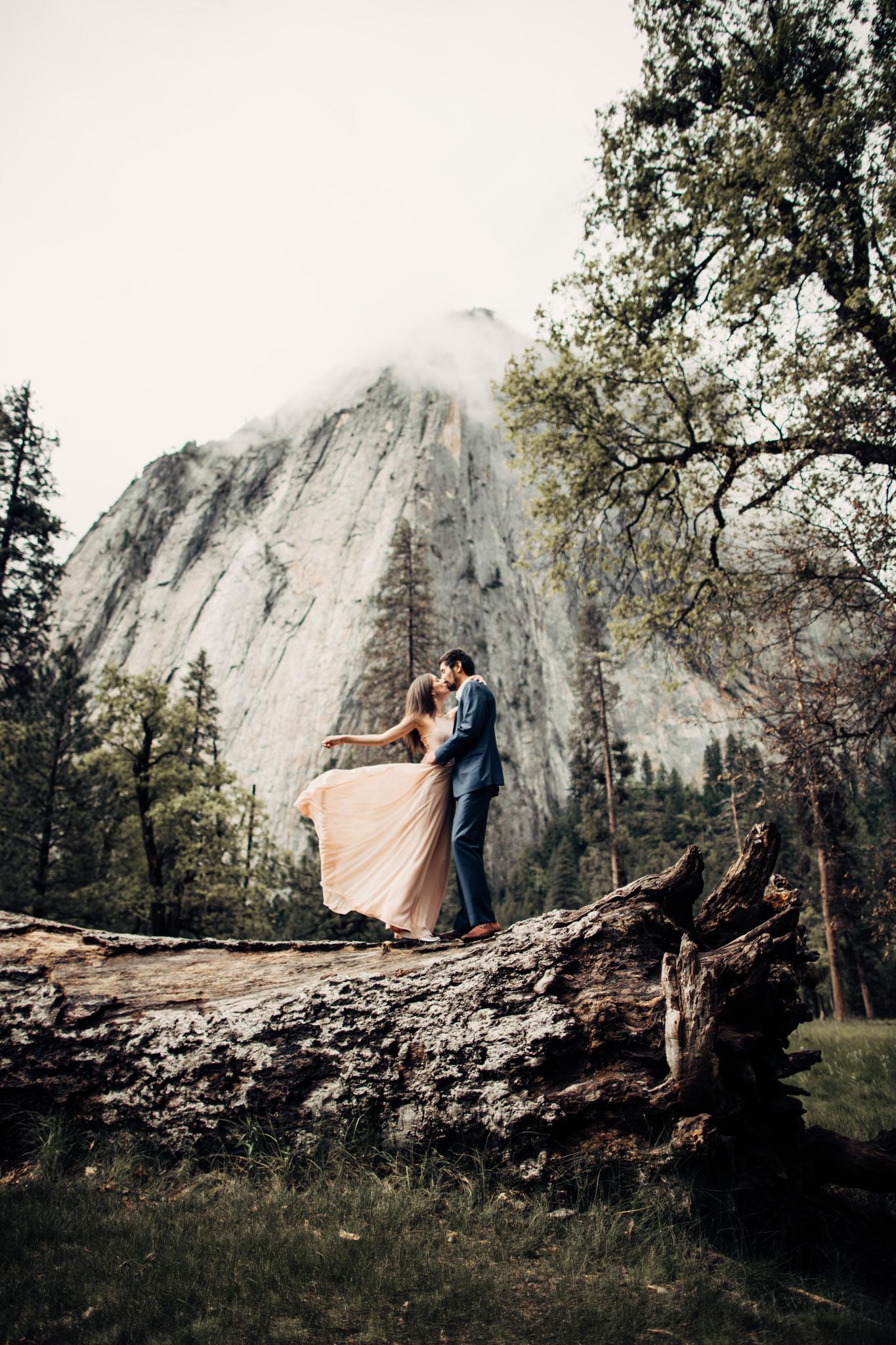 Yosemite-engagement-session-lauren-and-tom76.jpg
