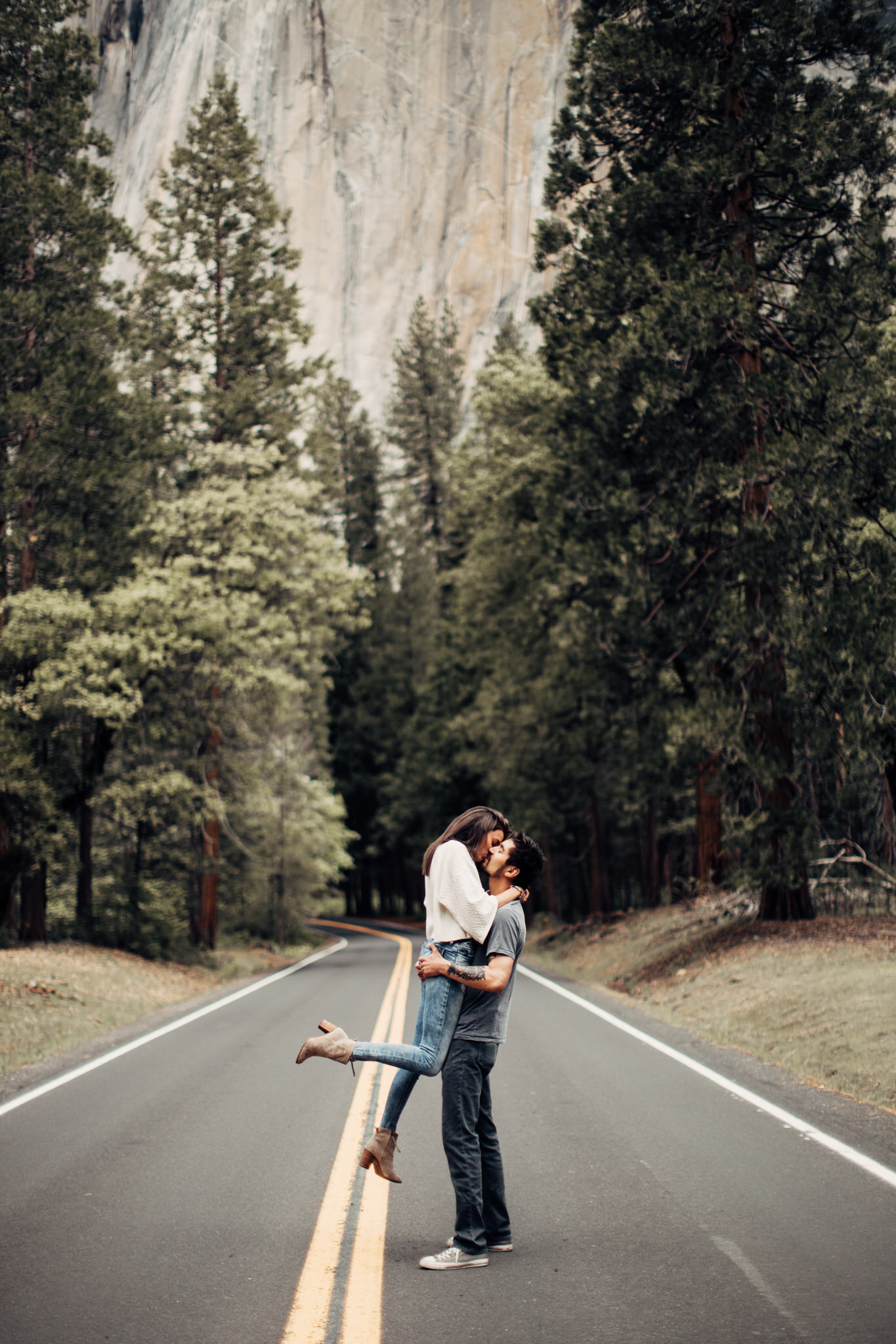 Yosemite-engagement-session-lauren-and-tom91.jpg
