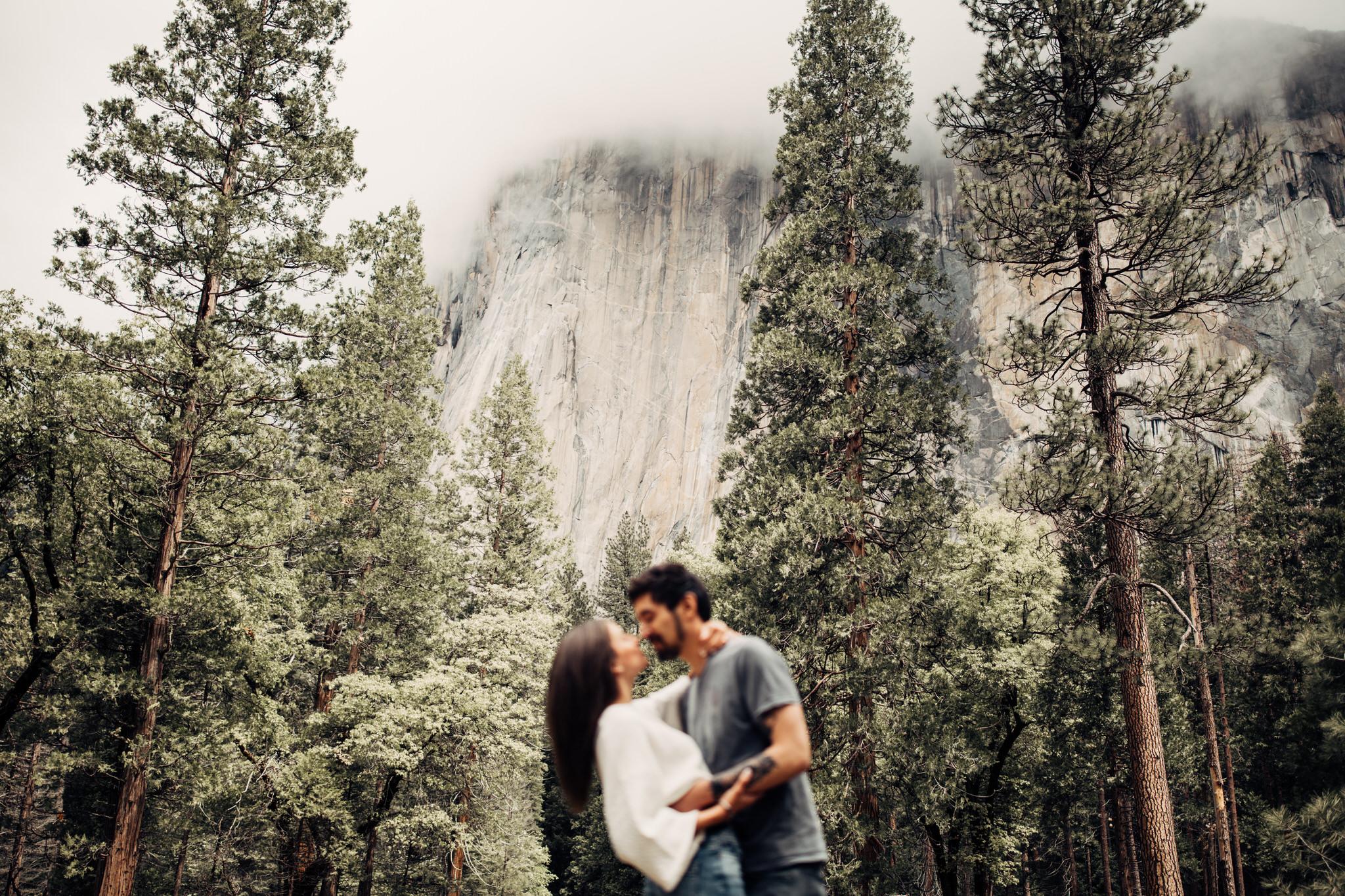 Yosemite-engagement-session-lauren-and-tom89.jpg