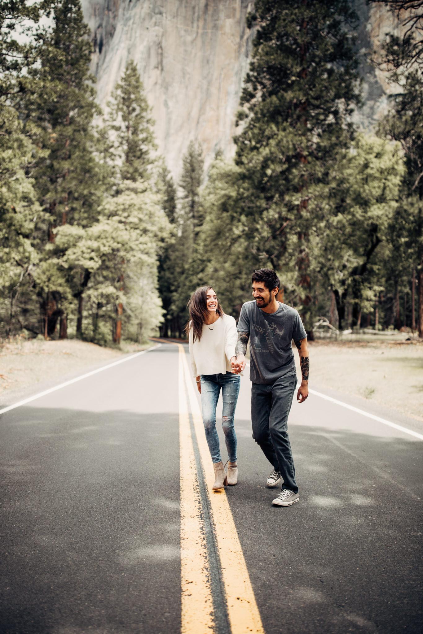 Yosemite-engagement-session-lauren-and-tom85.jpg