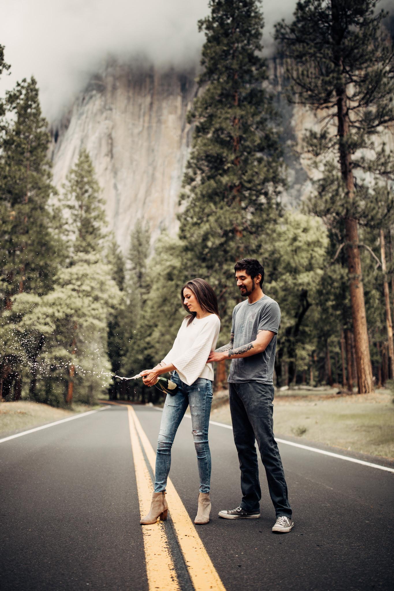 Yosemite-engagement-session-lauren-and-tom94.jpg