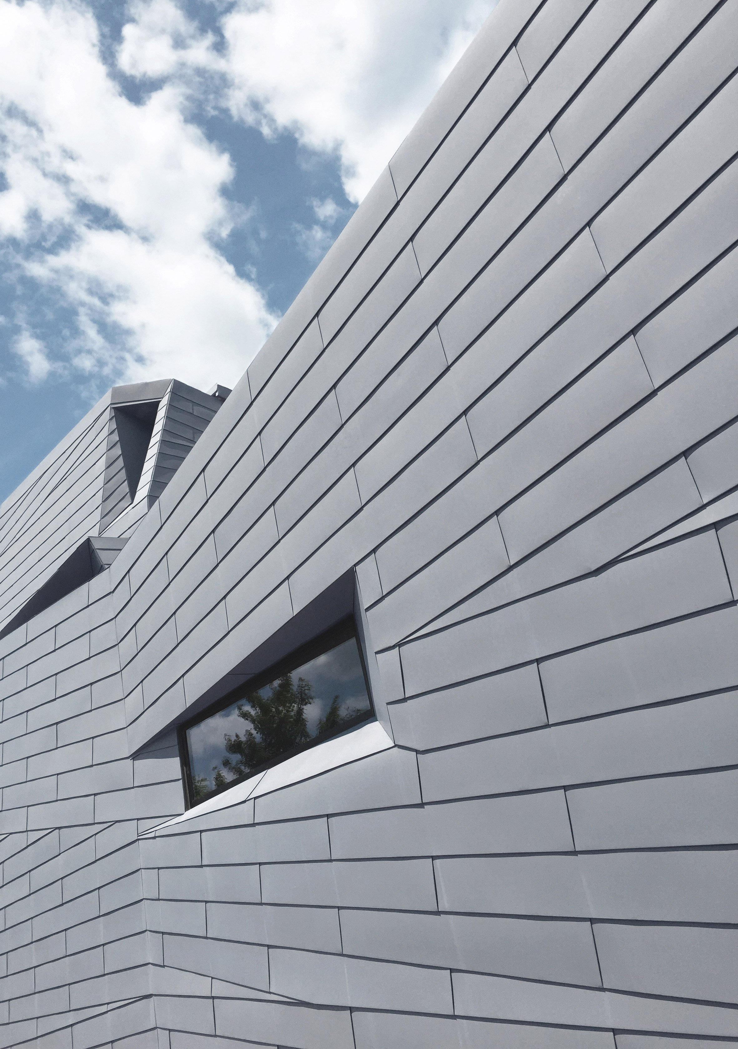 gemma-observatory-anmahian-winton-architects_dezeen_2364_col_3.jpg