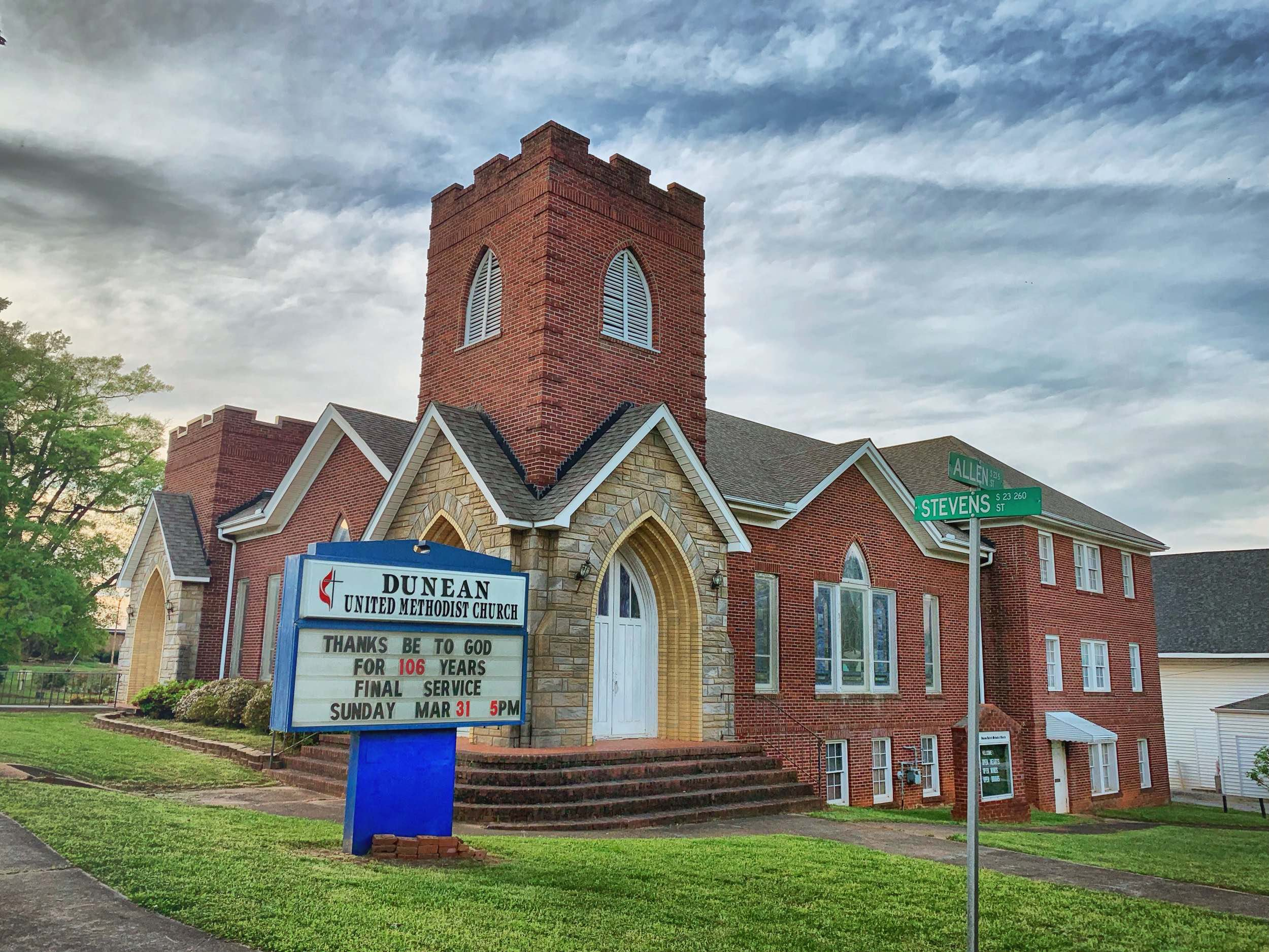 Leaf Institute is located in the historic building of Dunean United Methodist Church, built in 1919.