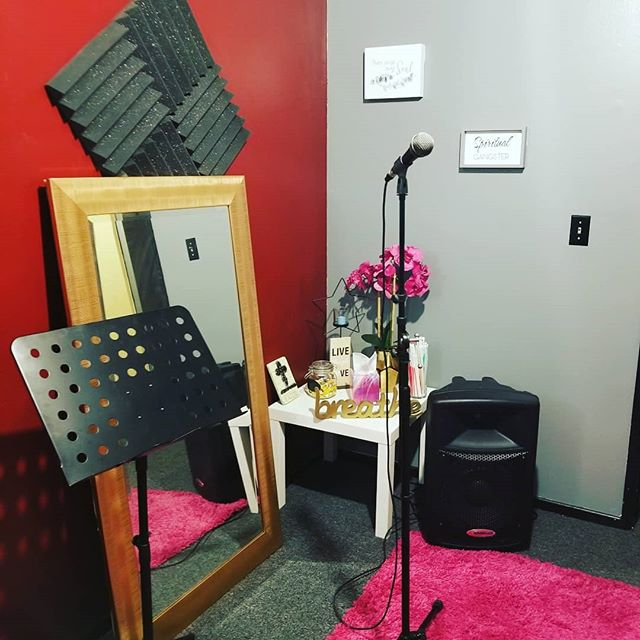 Sterling Voice Coaching Singers' Room - Where The Magic Happens!