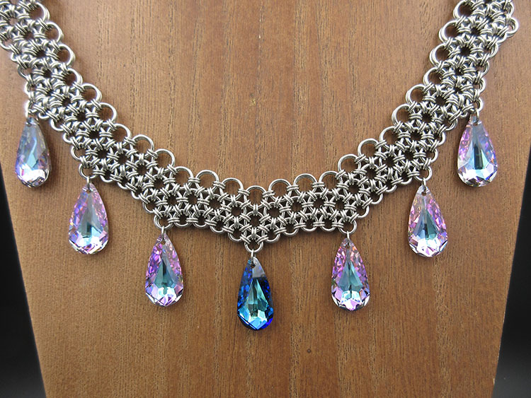 Creator Of Fine Chainmaille Jewelry and a Partnered Twitch Broadcaster -