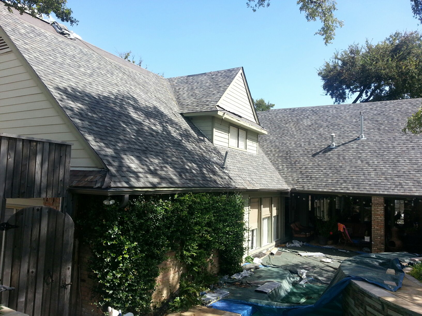 RESIDENTIAL ROOFING - We offer fast, reliable and affordable residential roofing services. Call to schedule an estimate visit.GET A QUOTE