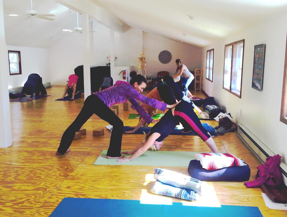 kikayoga-ashram-class.jpg